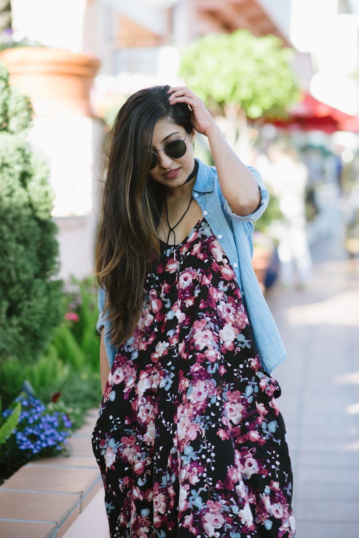 boho-outfit-floral-maxi-dress-chambray-shirt
