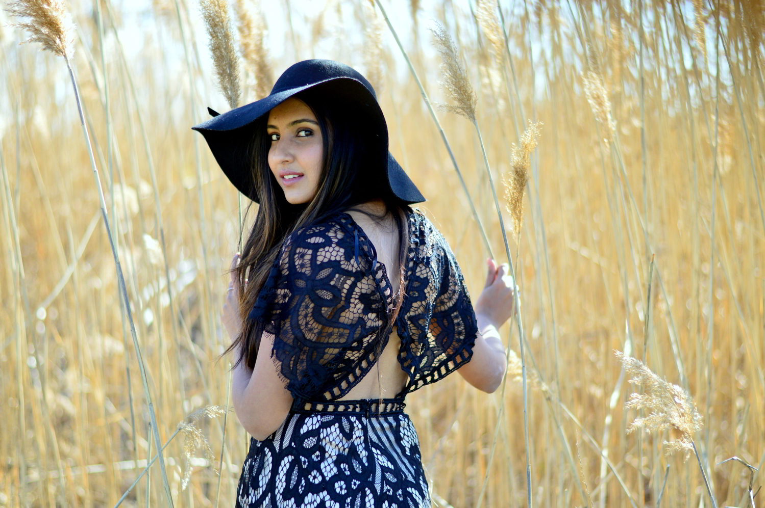 black-lace-romper-boho-festival-style-blogger-spring-outfit 8