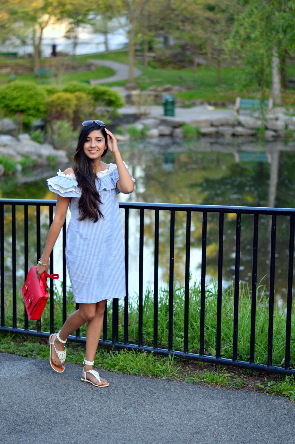 Off-Shoulder-Pinstriped-Chambray-Dress-blogger-outfit 3