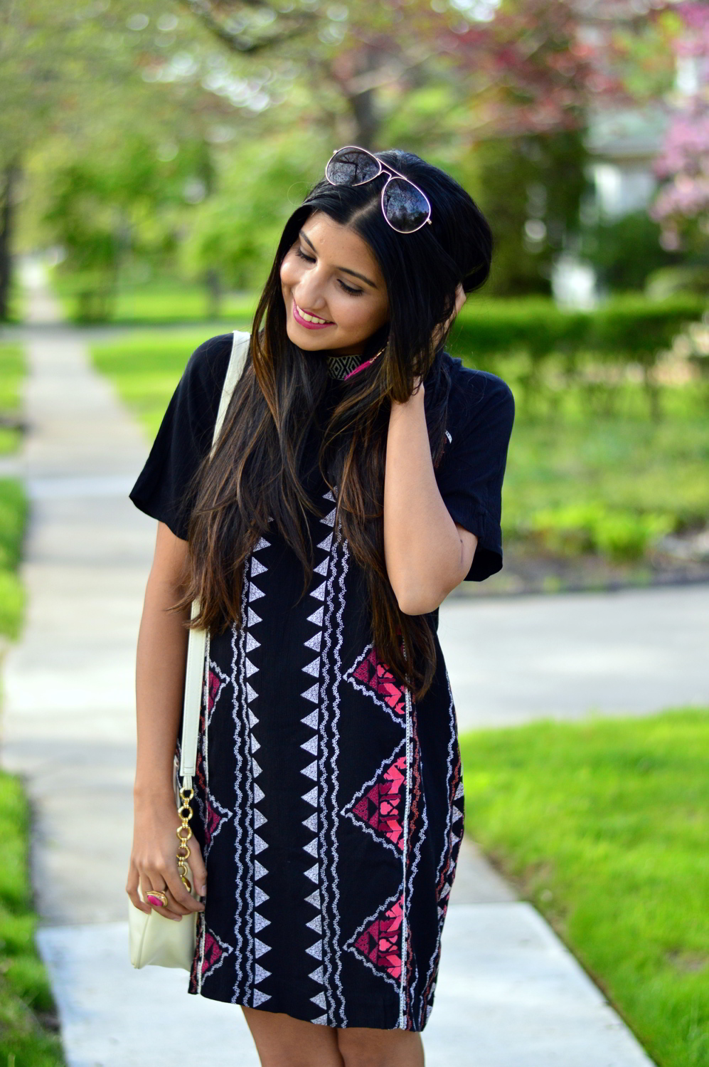 printed-high-neck-shift-dress-summer-style-blogger-outfit 5