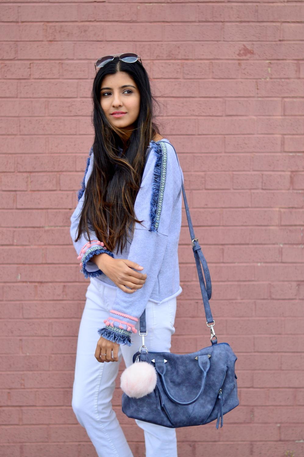 pom-fringe-sweatshirt-casual-basics-blogger-outfit 2