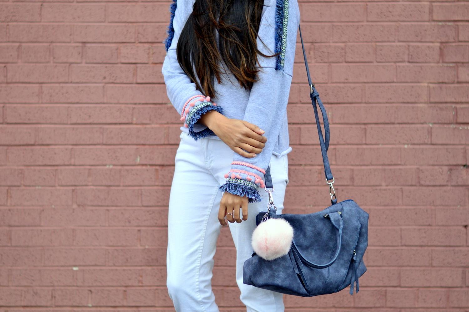 pom-fringe-sweatshirt-causal-basics-blogger-outfit 4