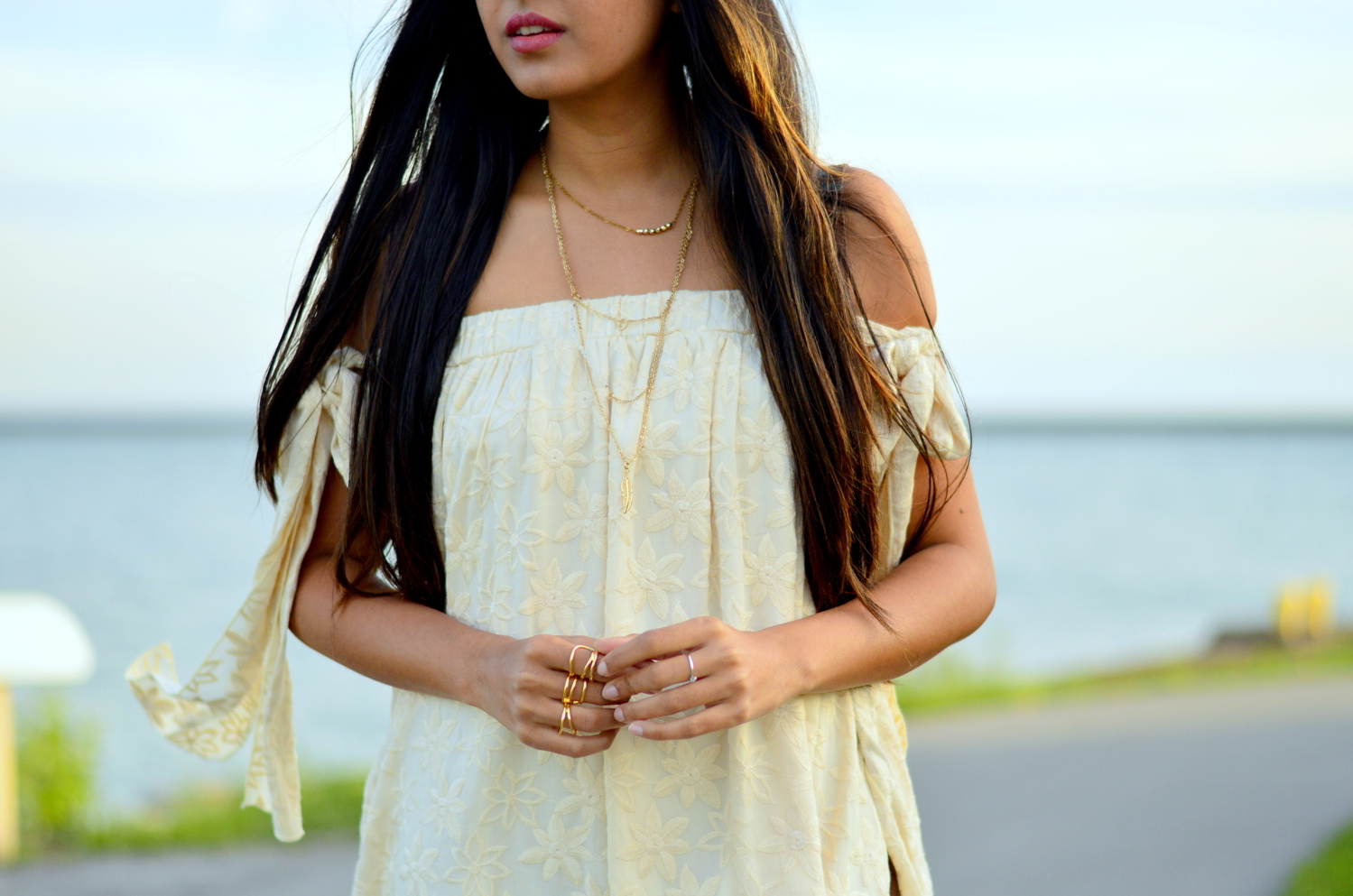 embroidered-tie-up-sleeves-boho-chic-summer-style 4