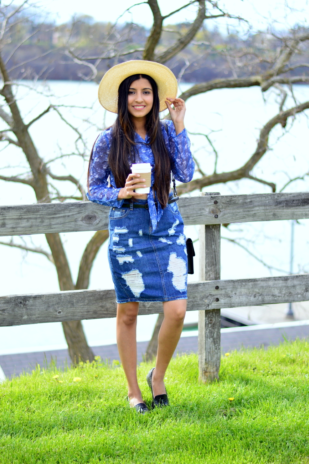 distressed-deim-skirt-florals-blogger-style-outfit 3
