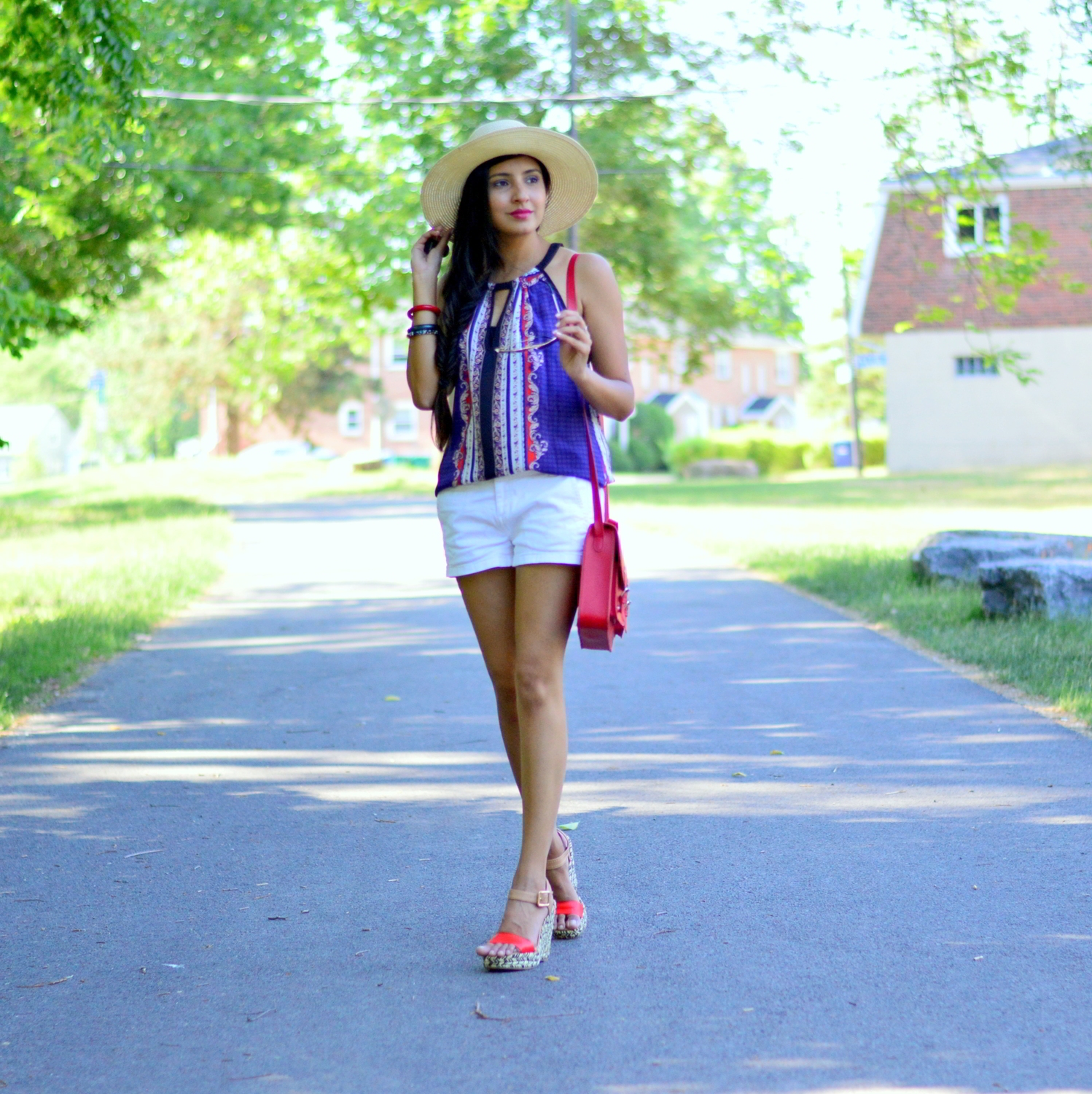 casual-summer-style-July-4th-outfit-inspiration-blogger-outfit 3