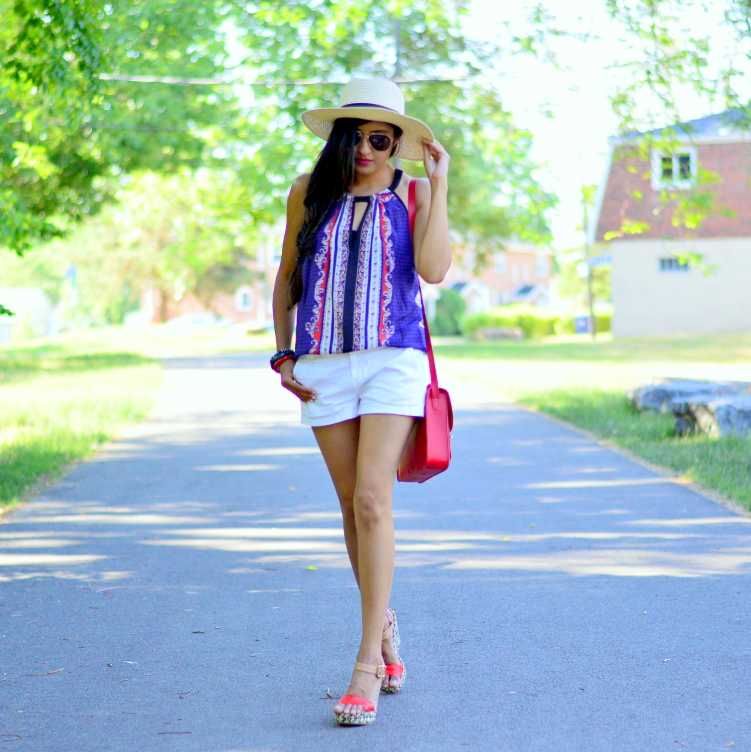 casual-summer-style-July-4th-outfit-inspiration-blogger-outfit-red-white-blue 4