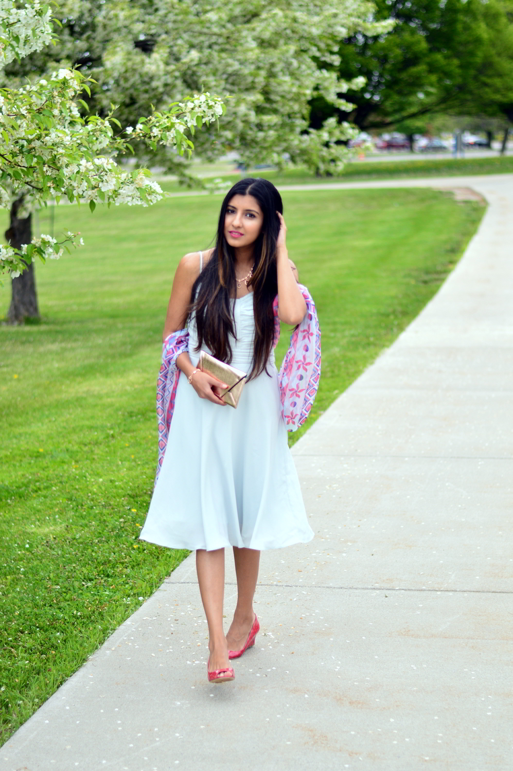 wedding-guest-outfit-pastels-rose-gold-blogger-style 7