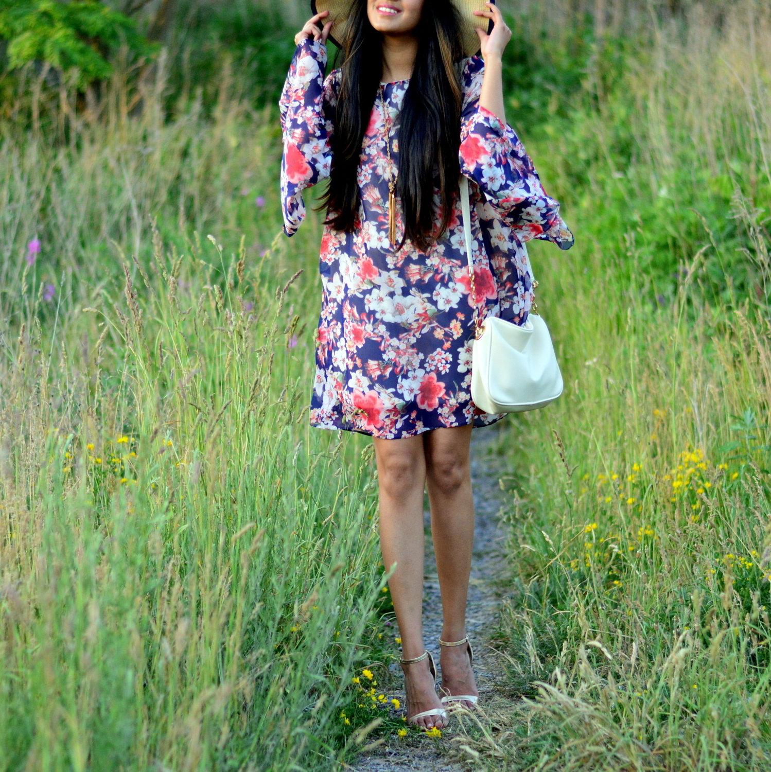 bell-sleeves-floral-dress-summer-casual-blogger-outfit 2