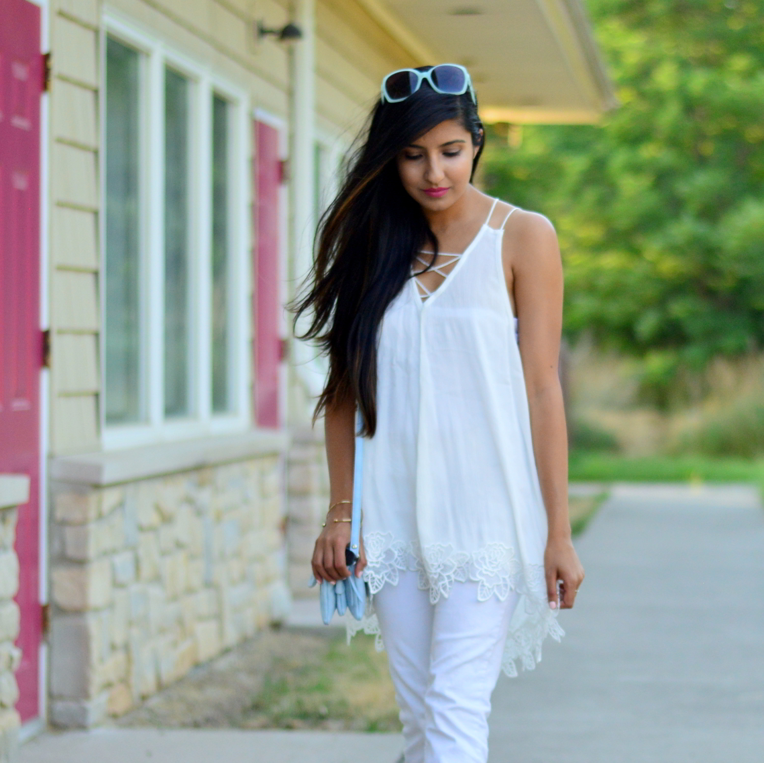 all-white-summer-style-lace-up-details-monochrome 2