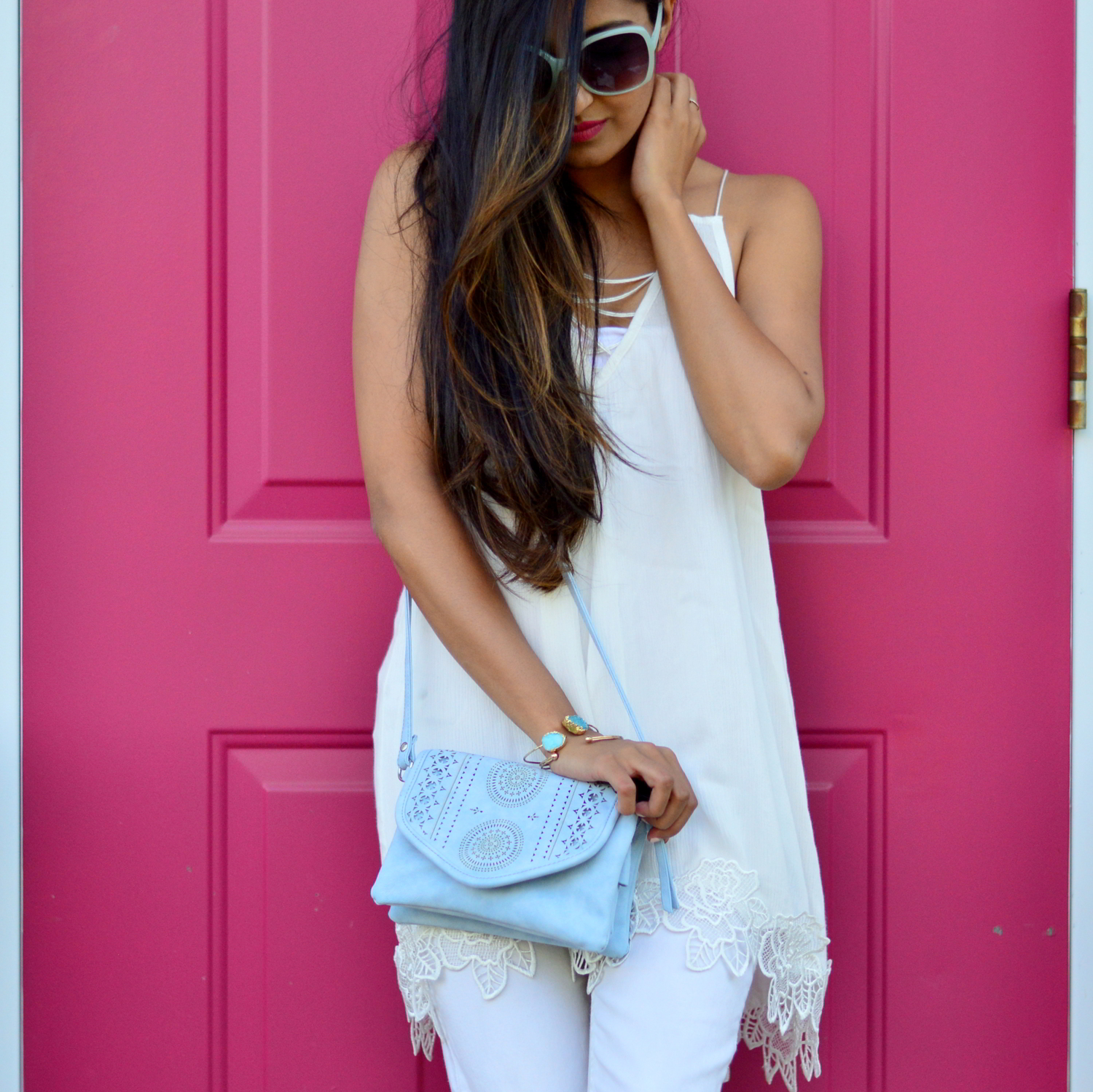 all-white-summer-style-lace-up-details-monochrome-violet-ray 4