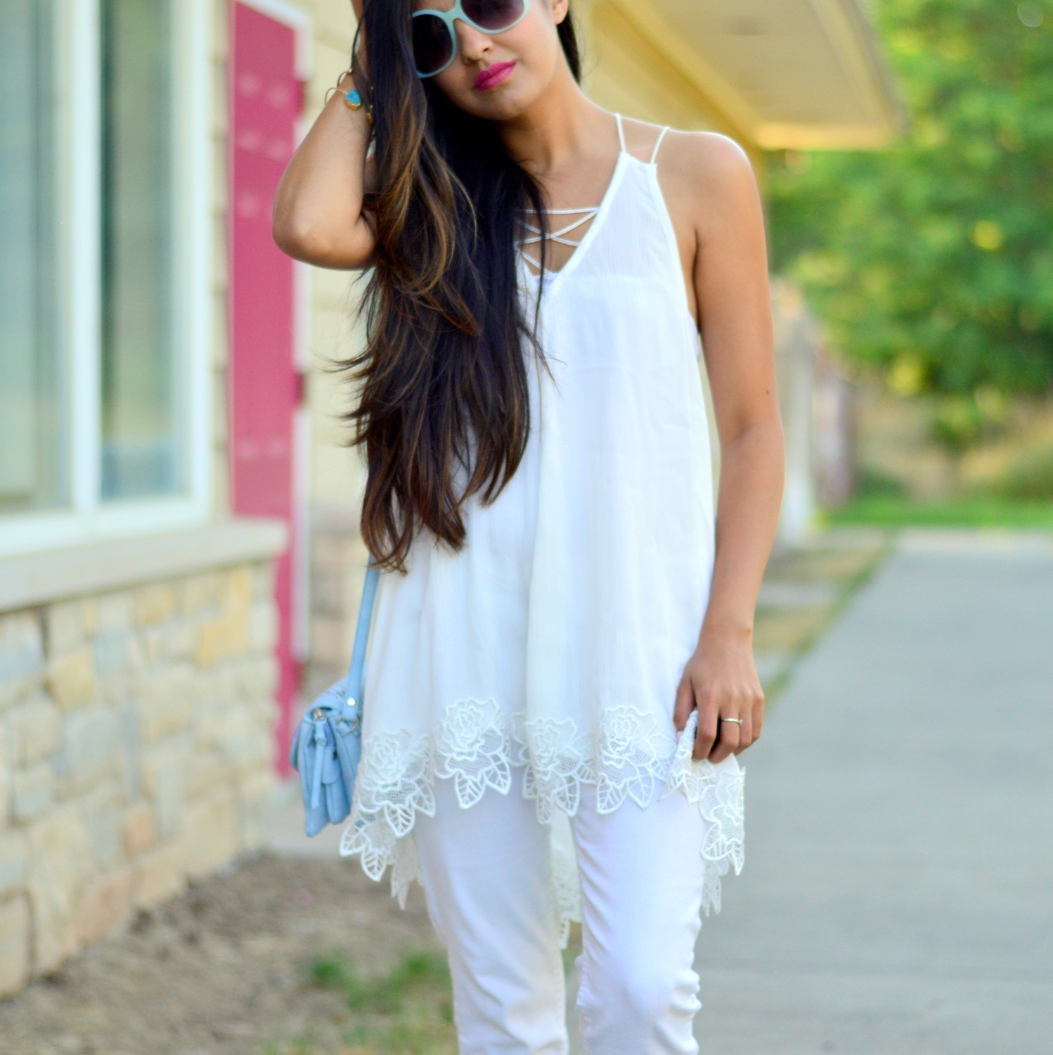 all-white-summer-style-lace-up-details 6