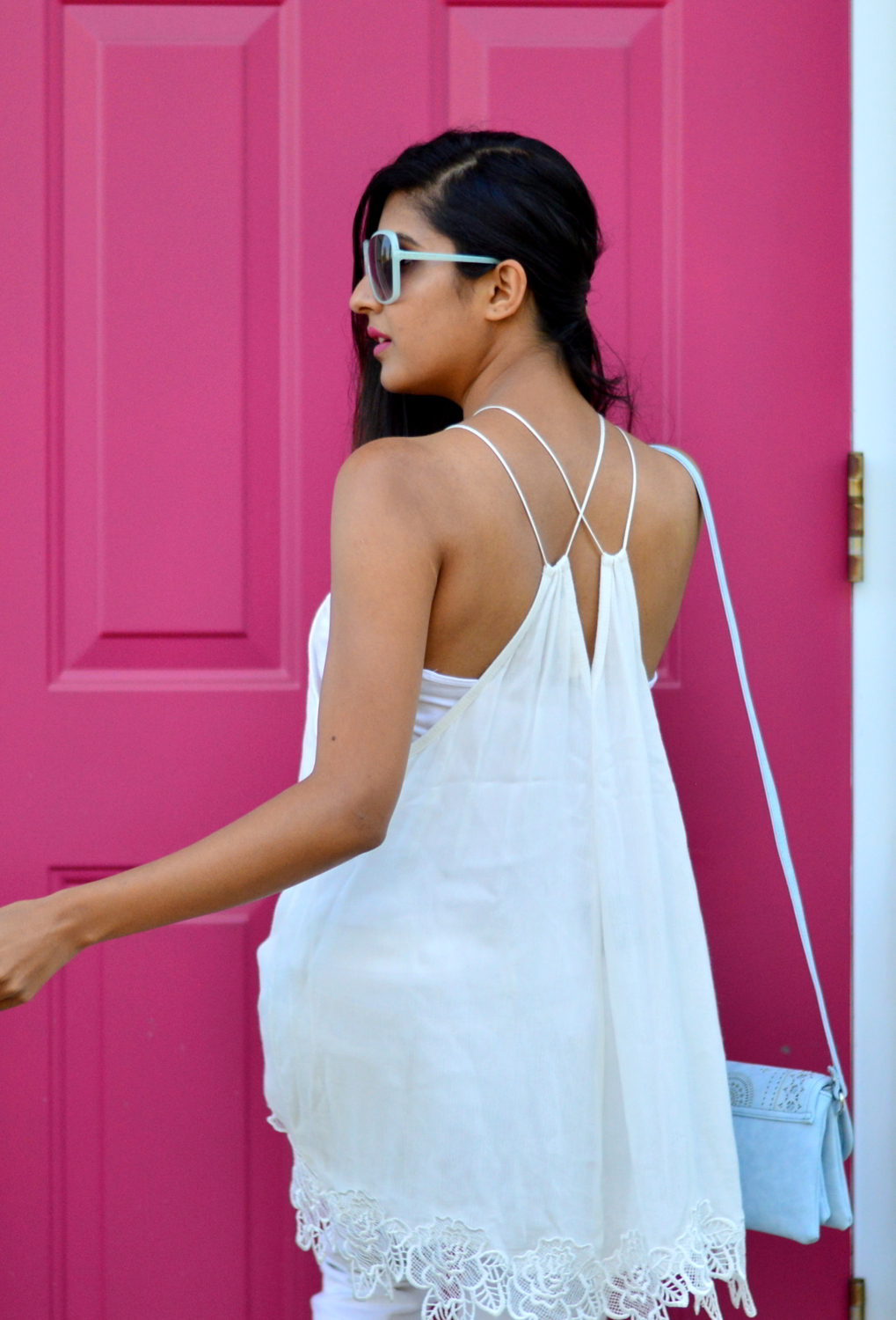 all-white-summer-style-lace-up-details 7