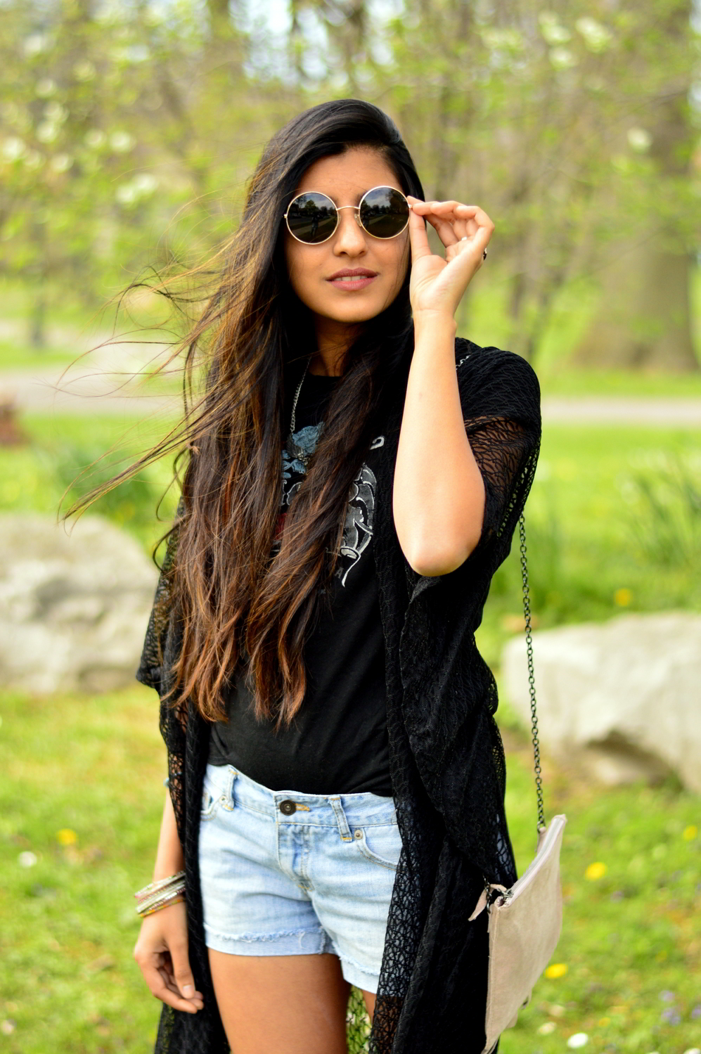 graphic-tee-fringe-boho-chic-casual-summer-style-blogger-outfit 2