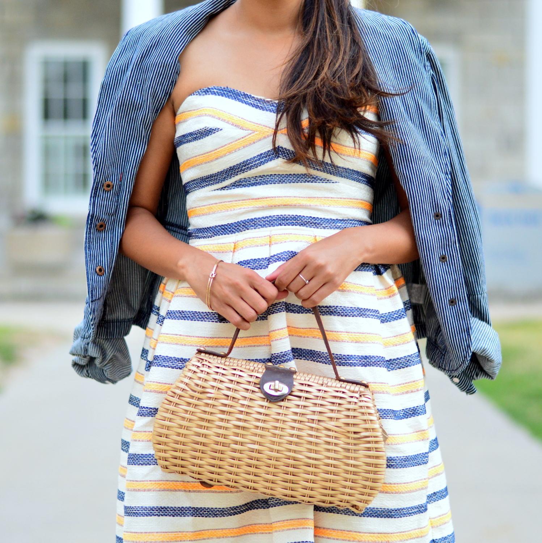 summer-striped-dress-denim-jacket-blogger-wicker-bag 4