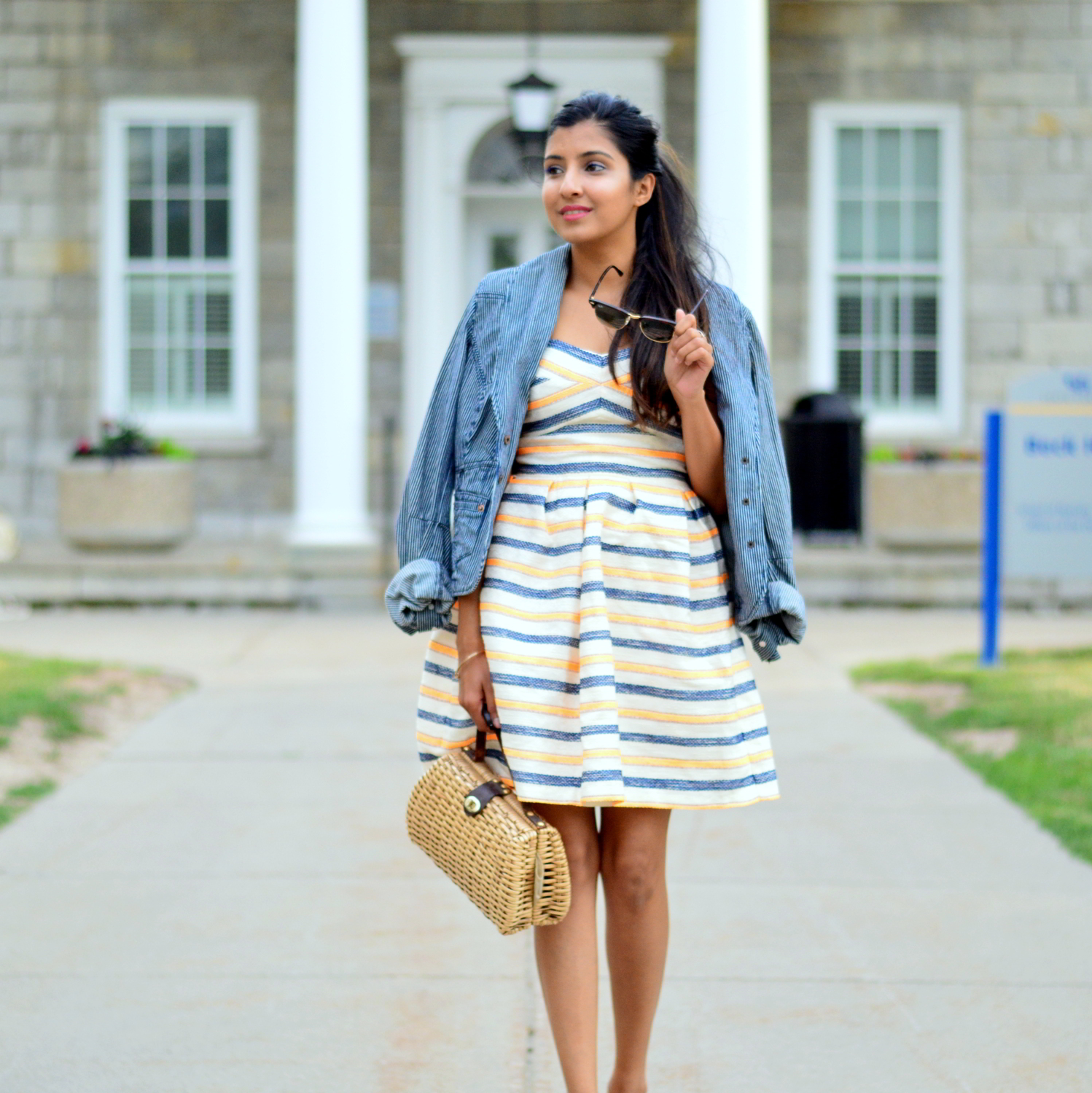 summer-striped-dress-denim-jacket-blogger-style-outfit 5