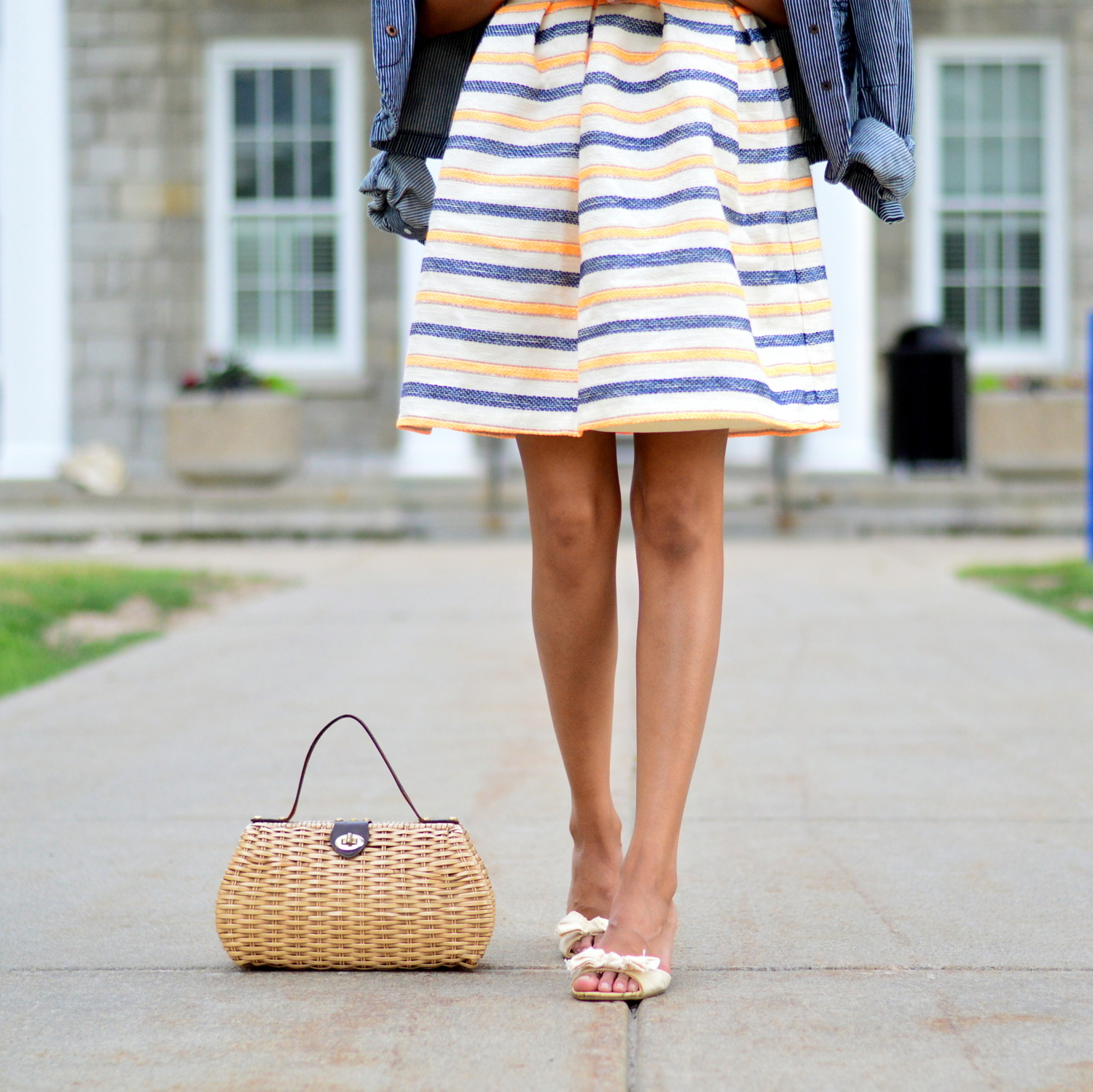 summer-striped-dress-denim-jacket-blogger-style-outfit 8