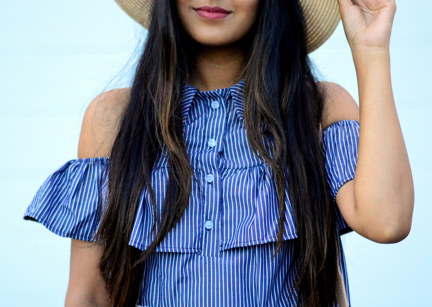 striped-cold-shoulder-shirt-vacation-summer-blogger-style 4