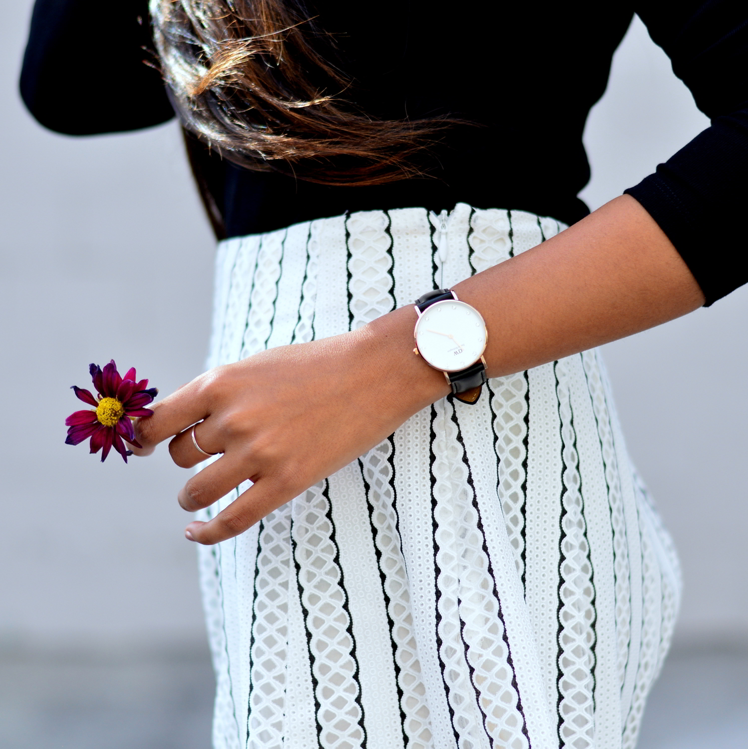 black-and-white-off-the-shoulder-lace-up-shoes-summer-style 6