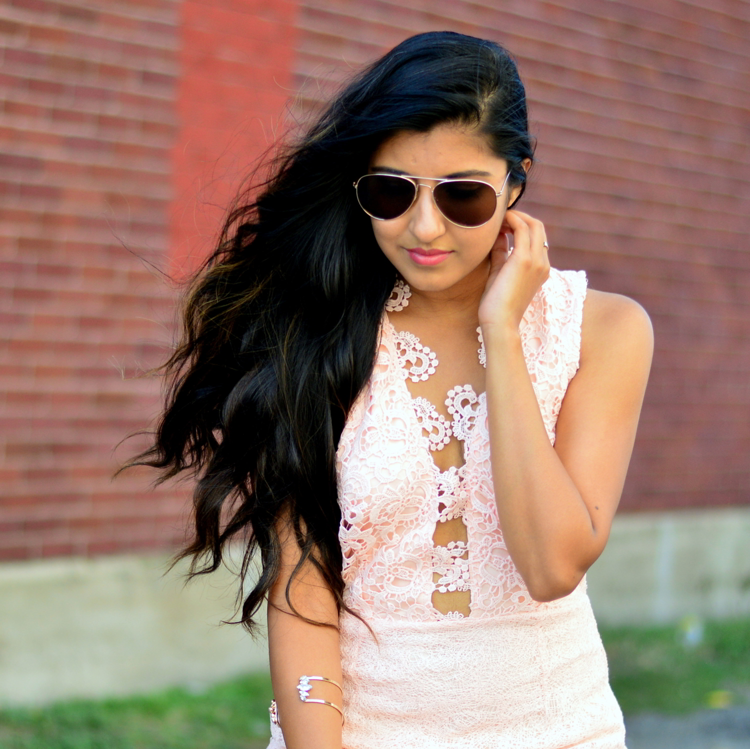 blush-pink-lace-dress-blogger-outfit 5