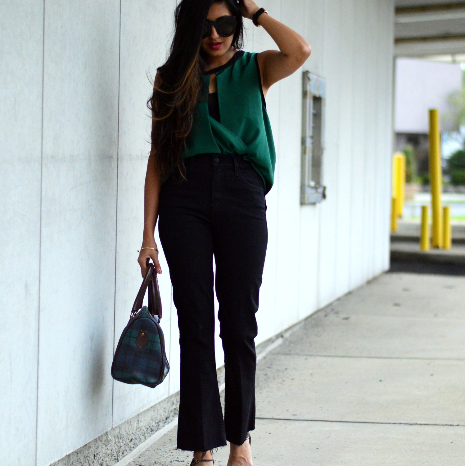 workwear-fall-style-emerald-silk-blouse-cropped-flared-jeans-blogger-outfit 2