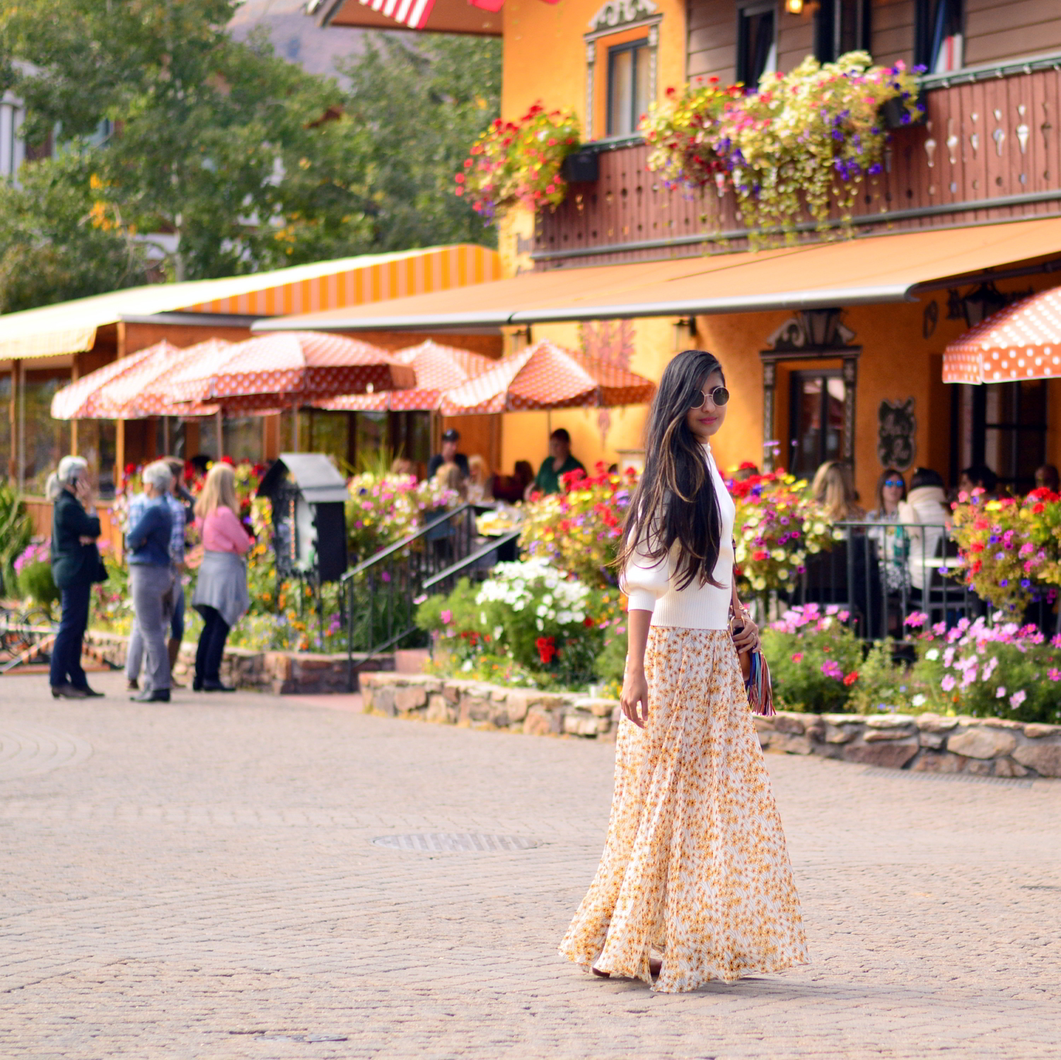 turtleneck-sweater-floral-maxi-dress-fall-layers-style-blogger-travel-Vail-Colorado 1