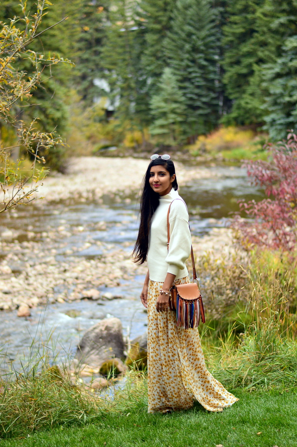 turtleneck-sweater-floral-maxi-dress-fall-layers-style-blogger-travel-Vail-Colorado 5