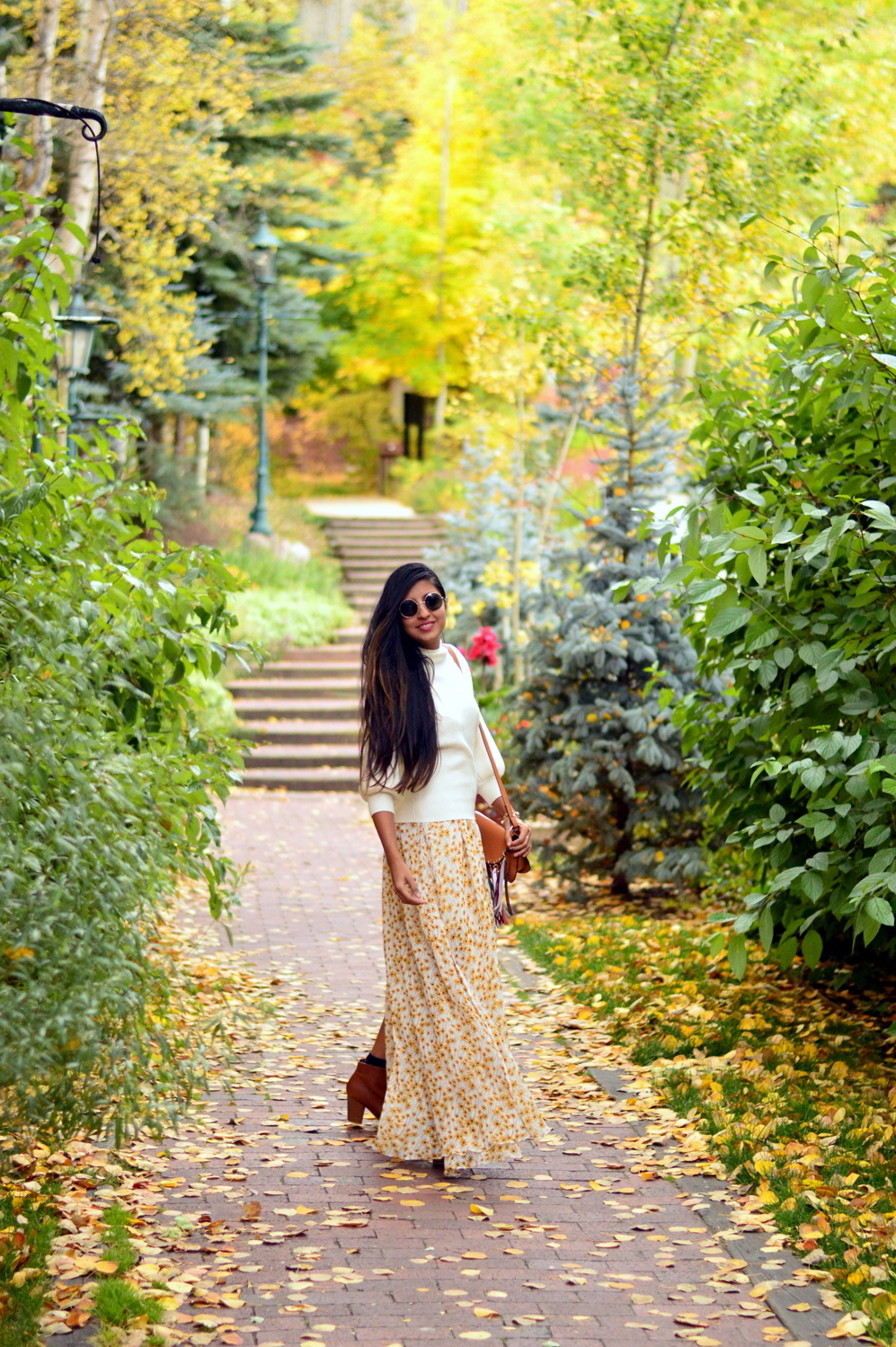 turtleneck-sweater-floral-maxi-dress-fall-layers-style-blogger-travel-Vail-Colorado 8