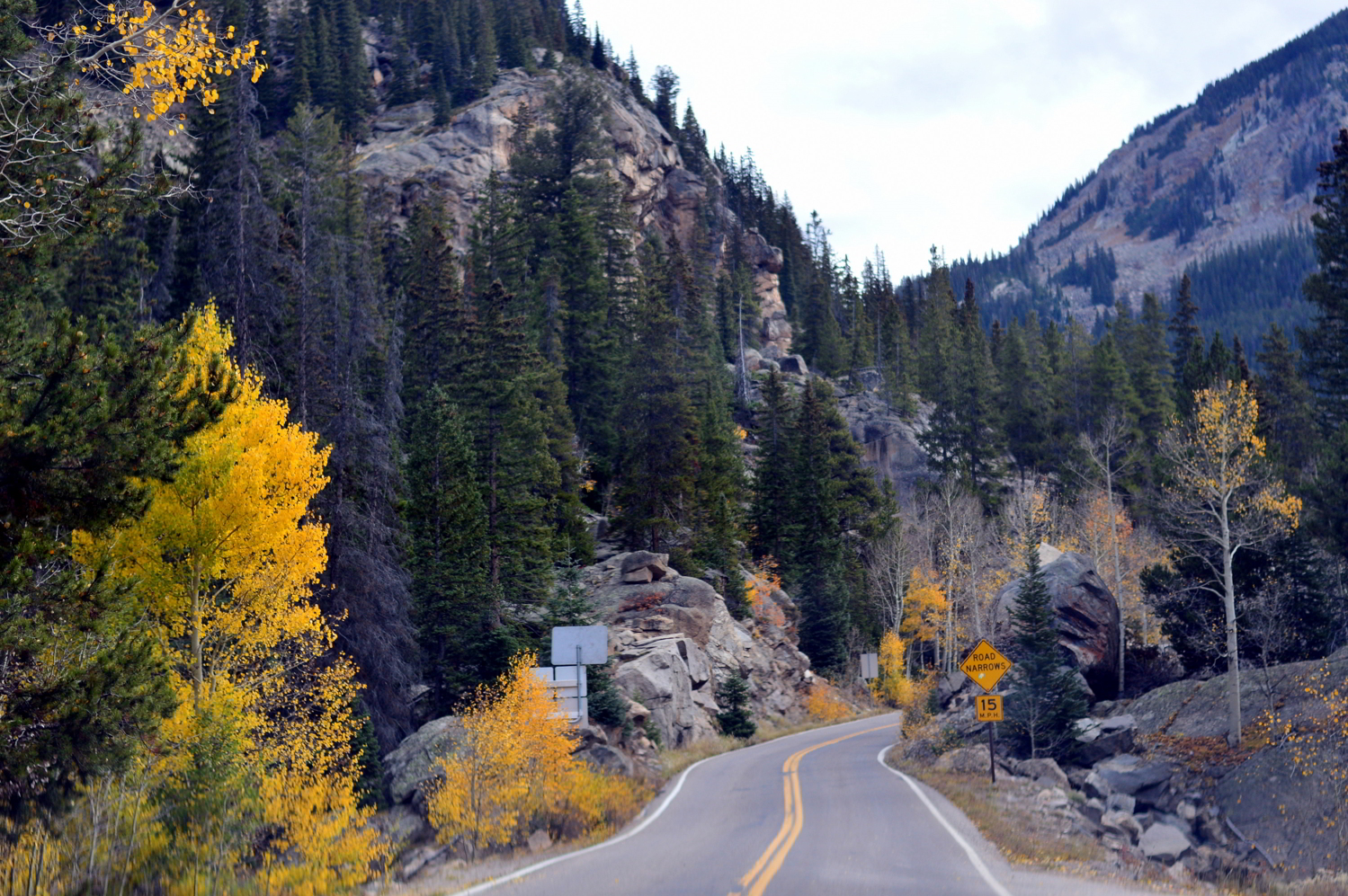 aspen-colorado-independence-pass-travel-blogger-things-to-do-fall-roadtrip 2