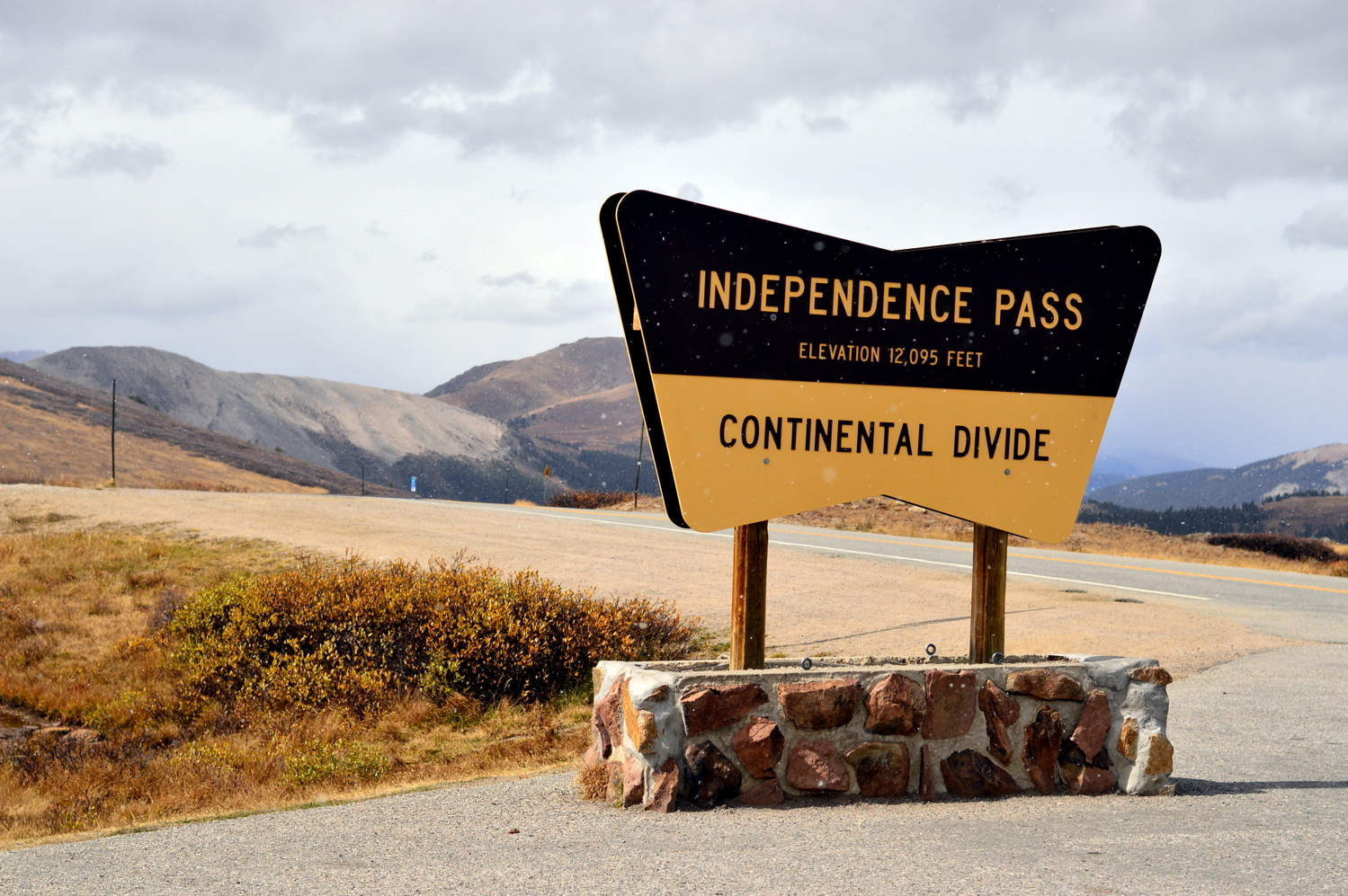 aspen-colorado-independence-pass-travel-blogger-things-to-do-fall-roadtrip 4