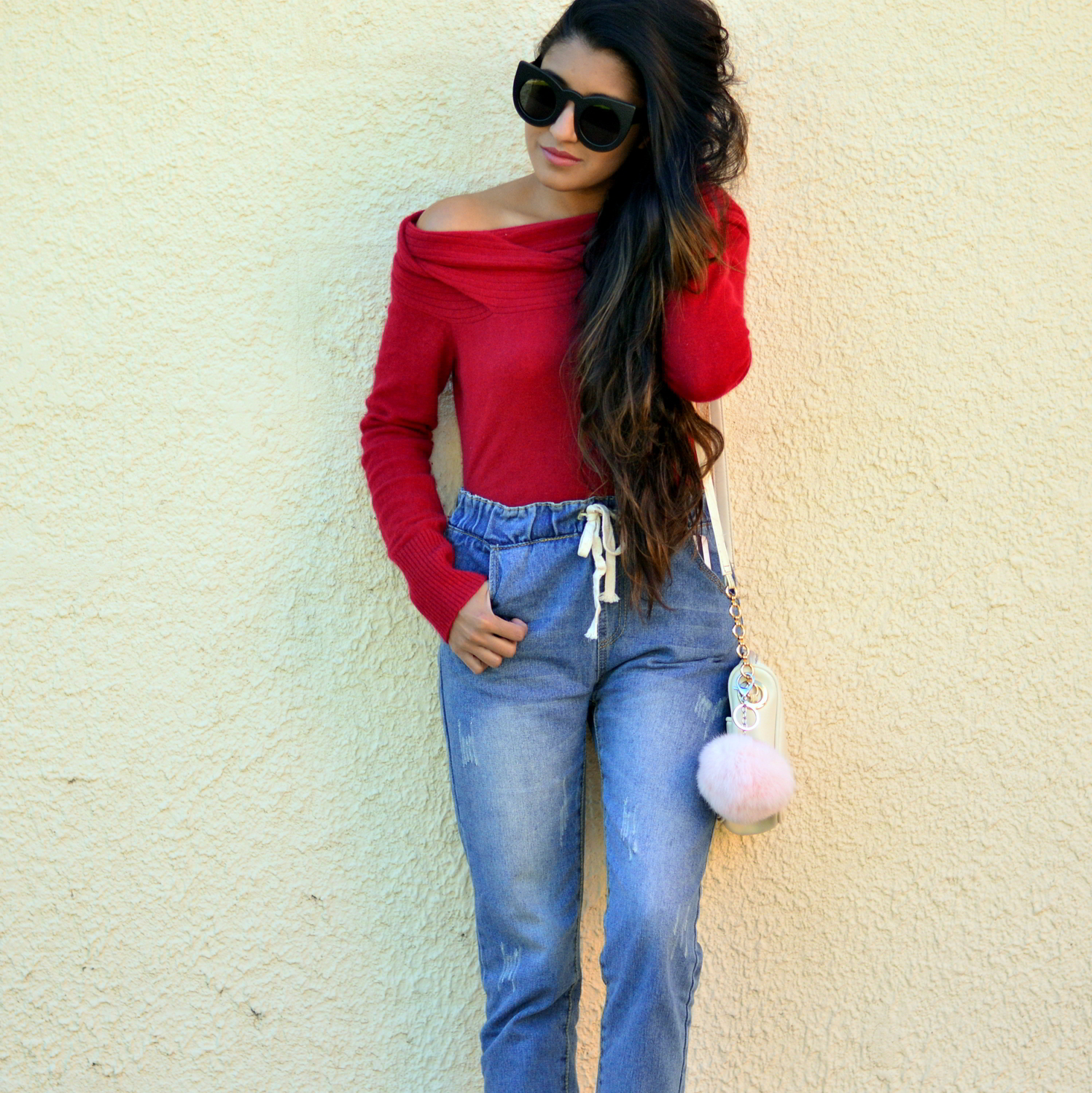 off-the-shoulder-sweater-plaid-jogger-jeans-blogger-style-fall-outfit 2