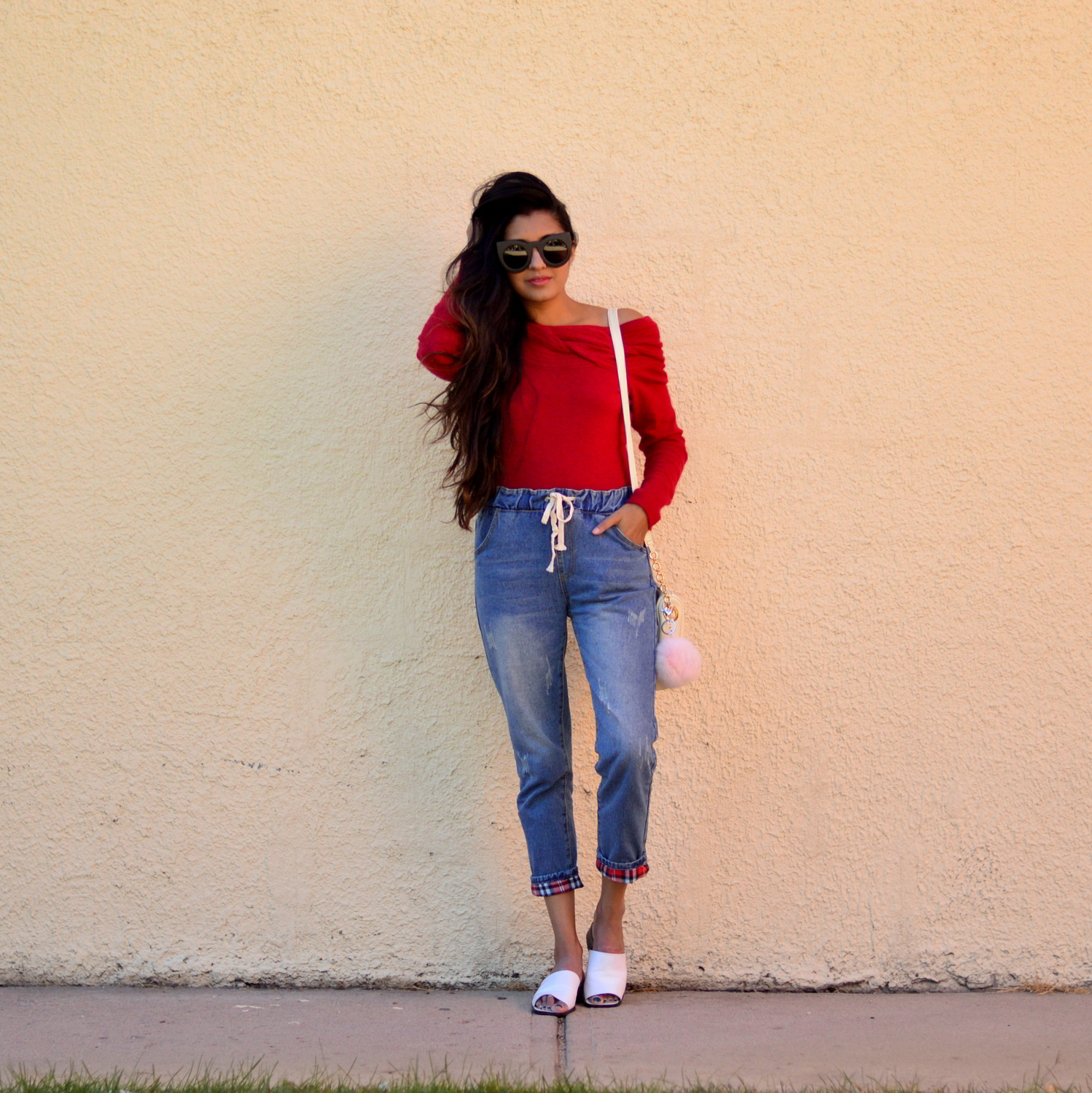 off-the-shoulder-sweater-plaid-jogger-jeans-blogger-style-fall-outfit 6
