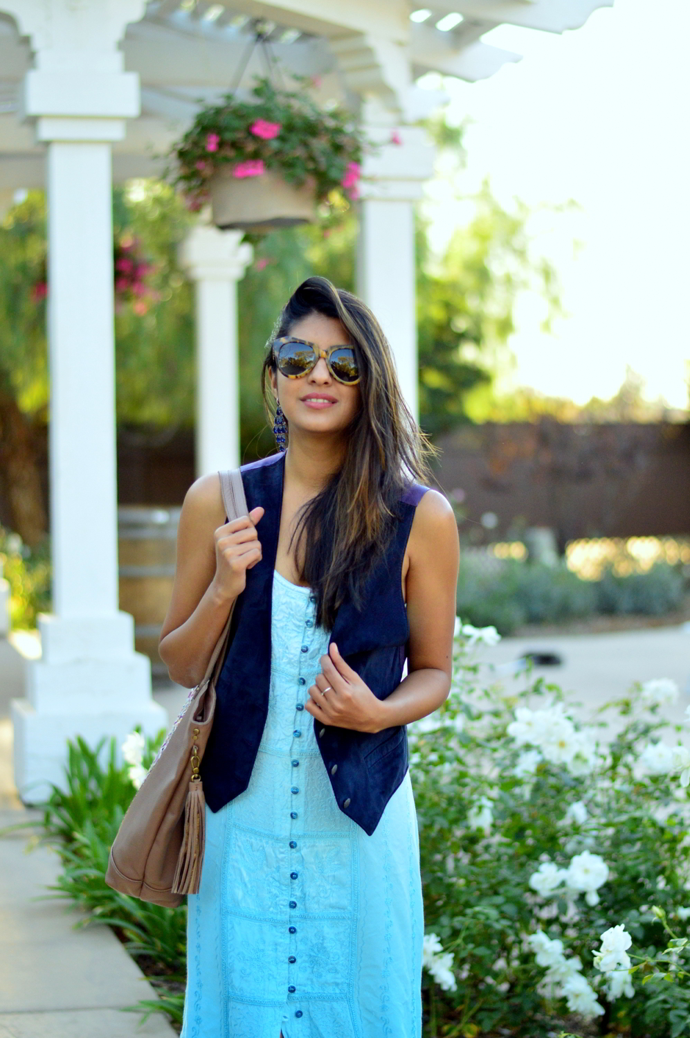 embroidered-maxi-dress-suede-vest-fall-california-blogger-style-outfit 8