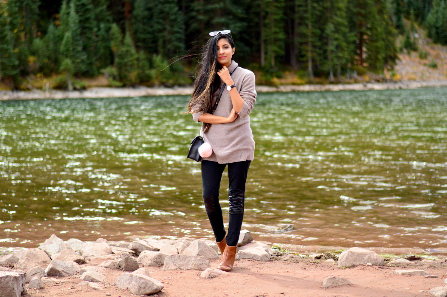 turtleneck-sweater-plaid-blanket-scarf-fall-style-maroon-bells-aspen-colorado 3