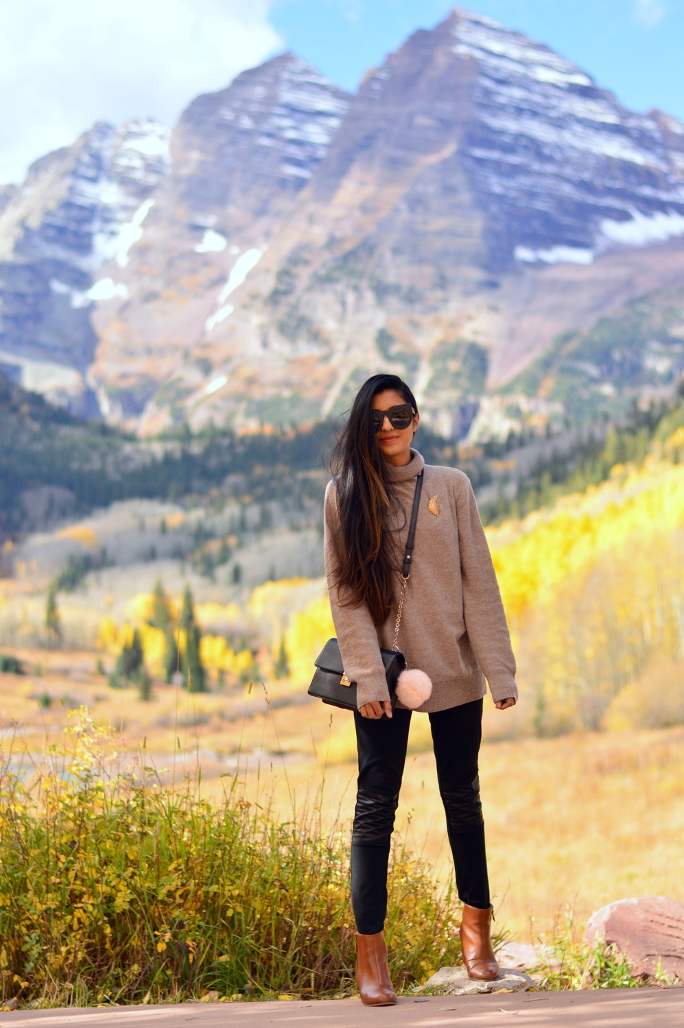 turtleneck-sweater-plaid-blanket-scarf-fall-style-maroon-bells-aspen-colorado 4