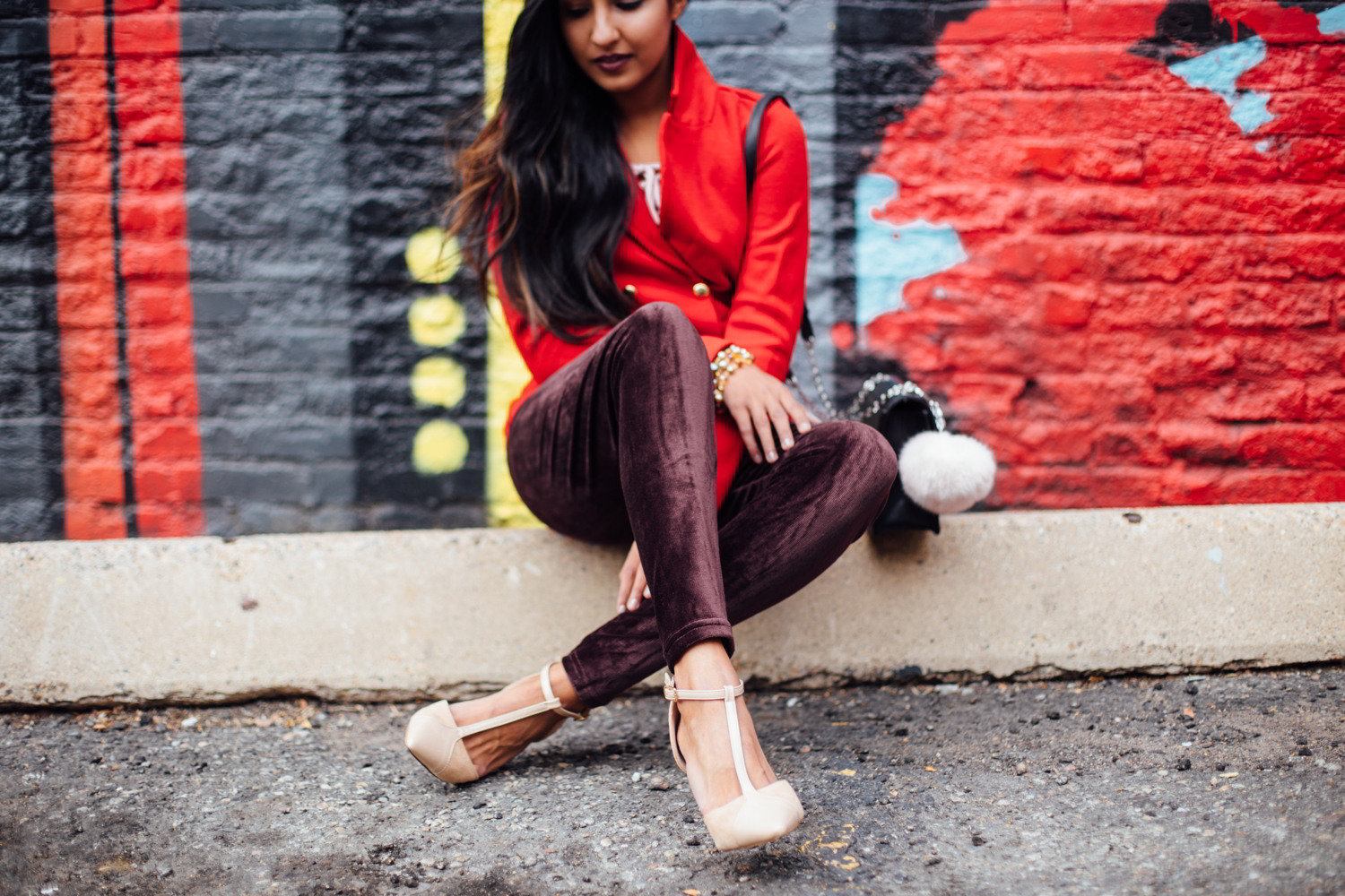 velvet-burgundy-pants-red-holiday-season-style-blogger-outfit 8