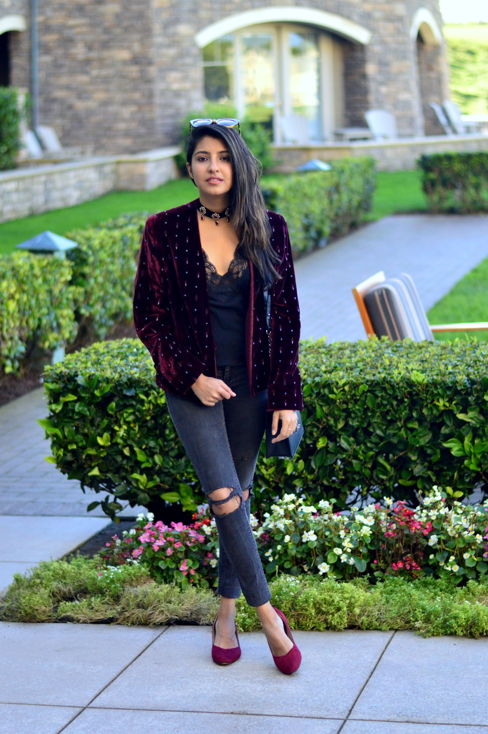 velvet-embellished-blazer-holiday-party-style-burgundy-black-blogger-outfit 4