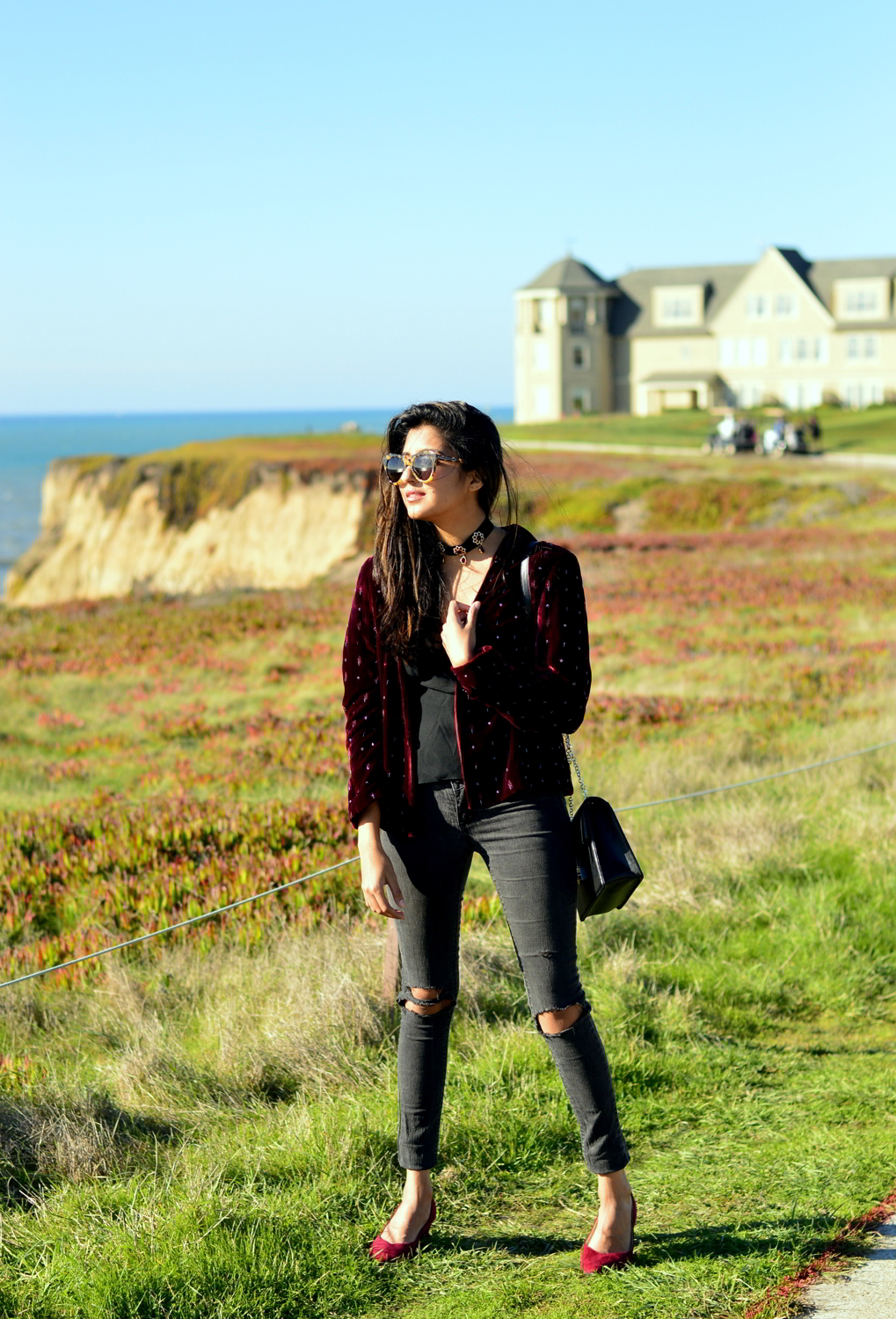 velvet-embellished-blazer-holiday-party-style-half-moon-bay-blogger-outfit