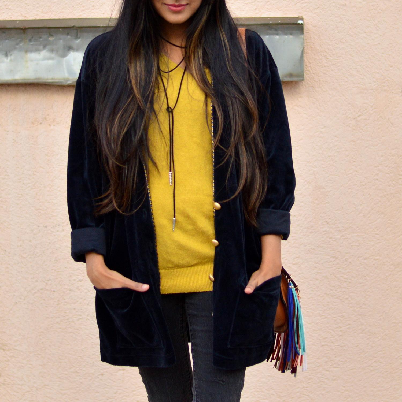 velvet-oversized-cardigan-fall-style-colorado-travel-blogger-outfit-choker 4
