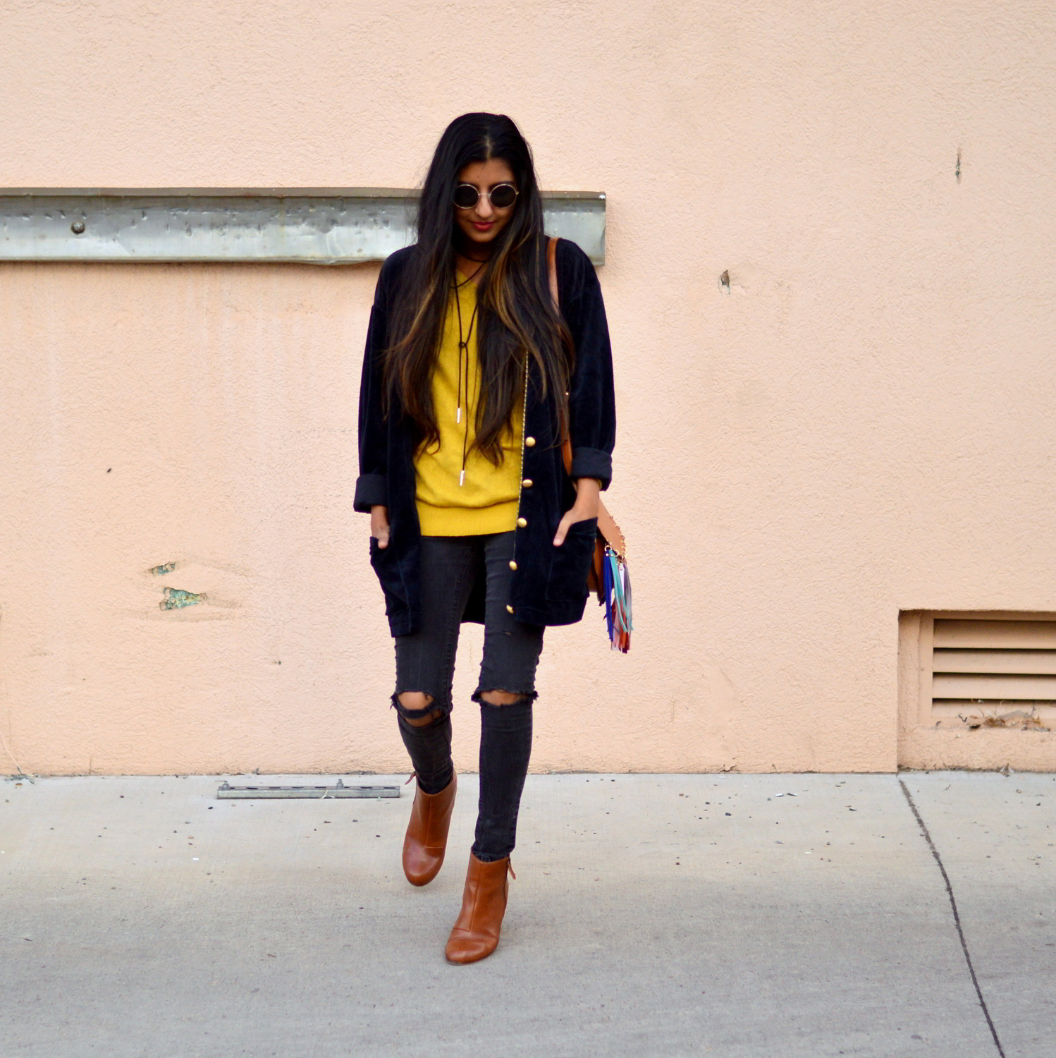 velvet-oversized-cardigan-fall-style-colorado-travel-blogger-outfit 6