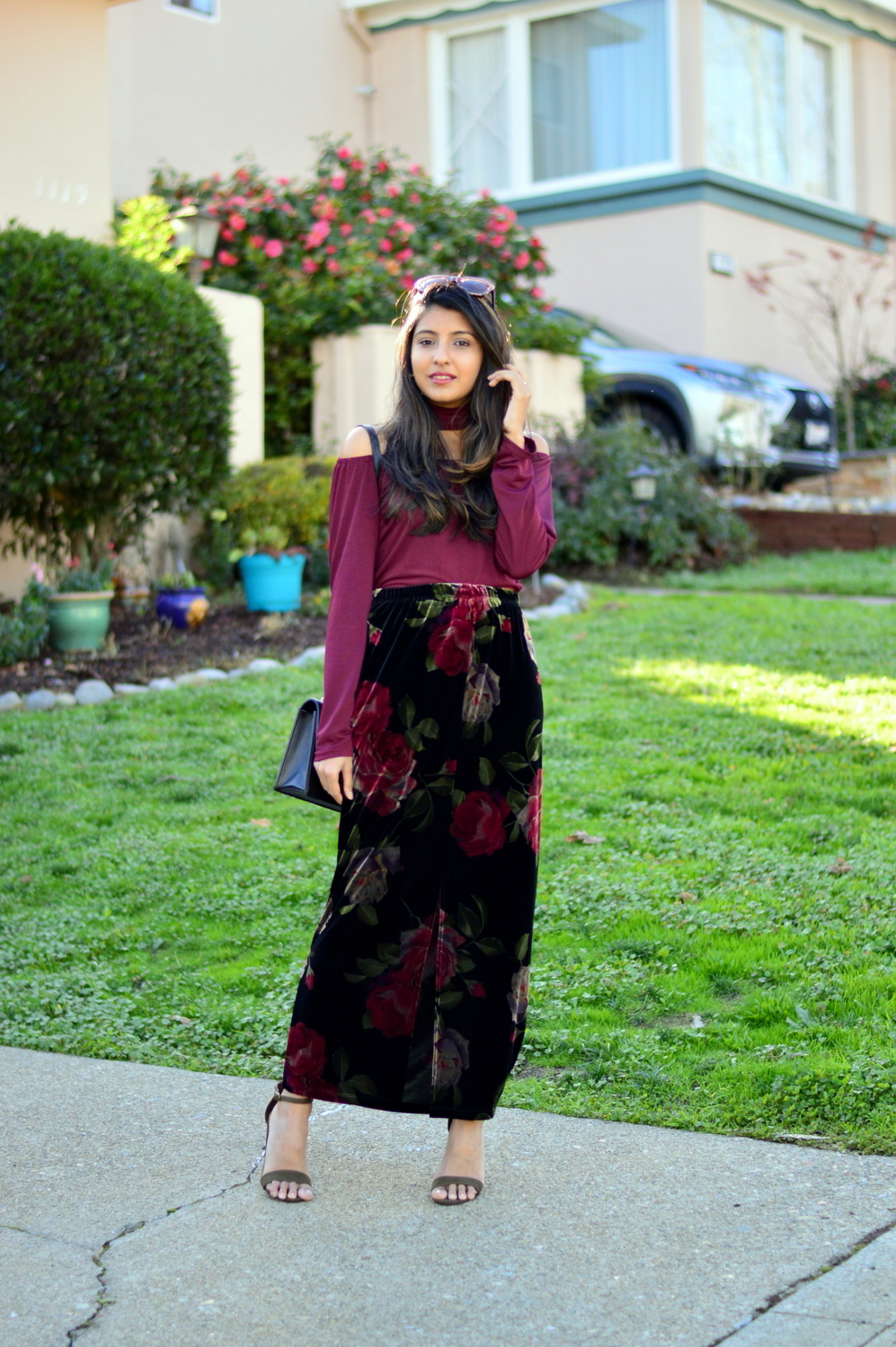 velvet-floral-skirt-choker-burgundy-top-party-outfit-NYE-blogger 3