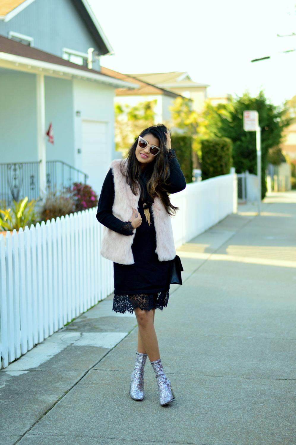 california-winter-layers-sweater-dress-lace-faux-fur-vest-glitter-boots-trends-blogger 5