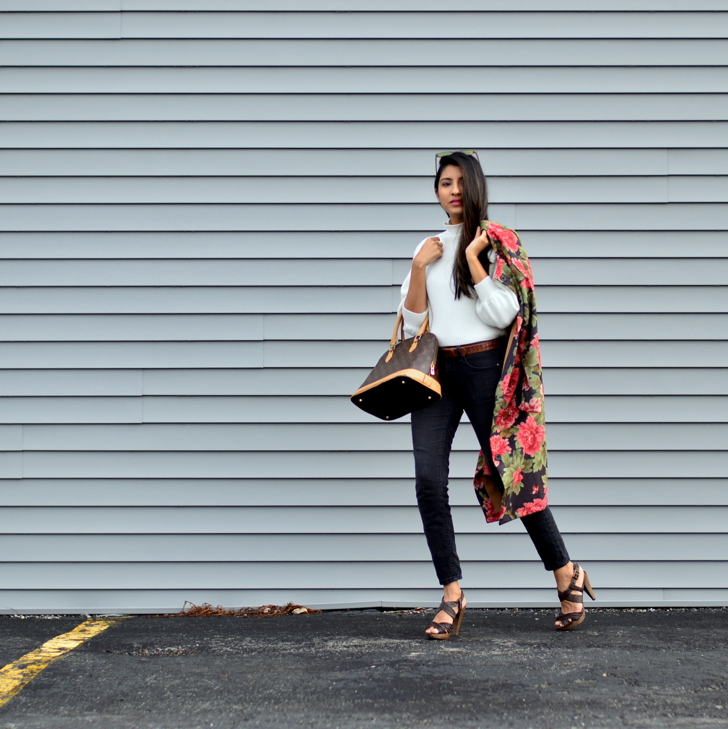 suede-floral-coat-winter-street-style-blogger-outfit-fashion 5