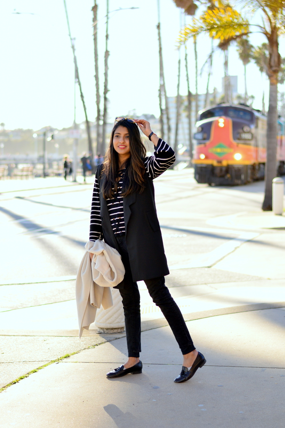black-and-white-longline-vest-winter-outfit-fashion-blogger-california 8