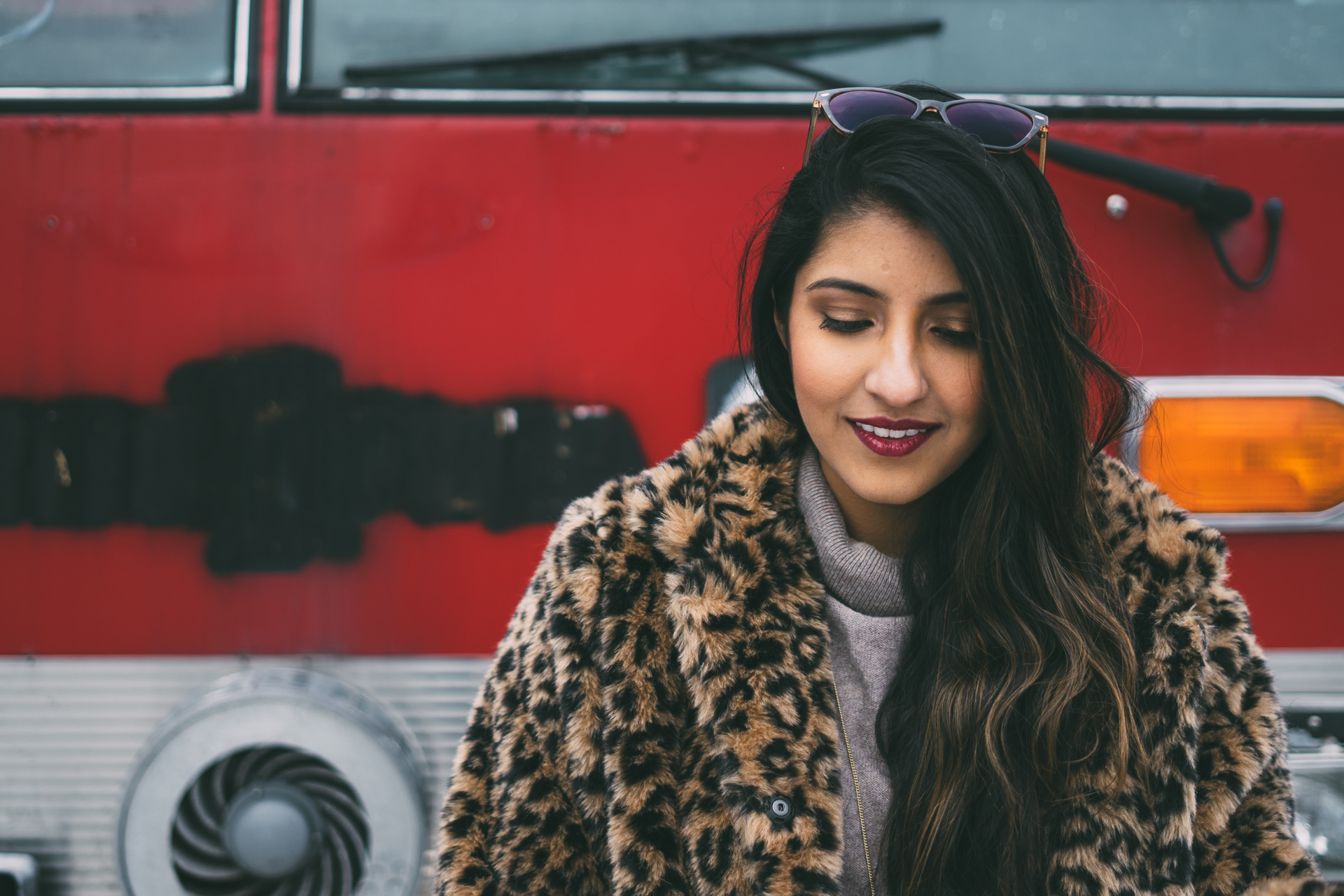 leopard-faux-fur-coat-velvet-boots-winter-style-blogger-outfit 14