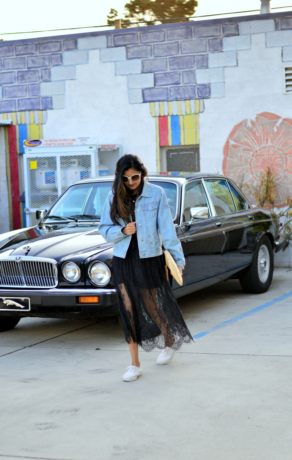lace-black-maxi-dress-monterey-california-beach-outfit-blogger-style-travel-denim-jacket 3