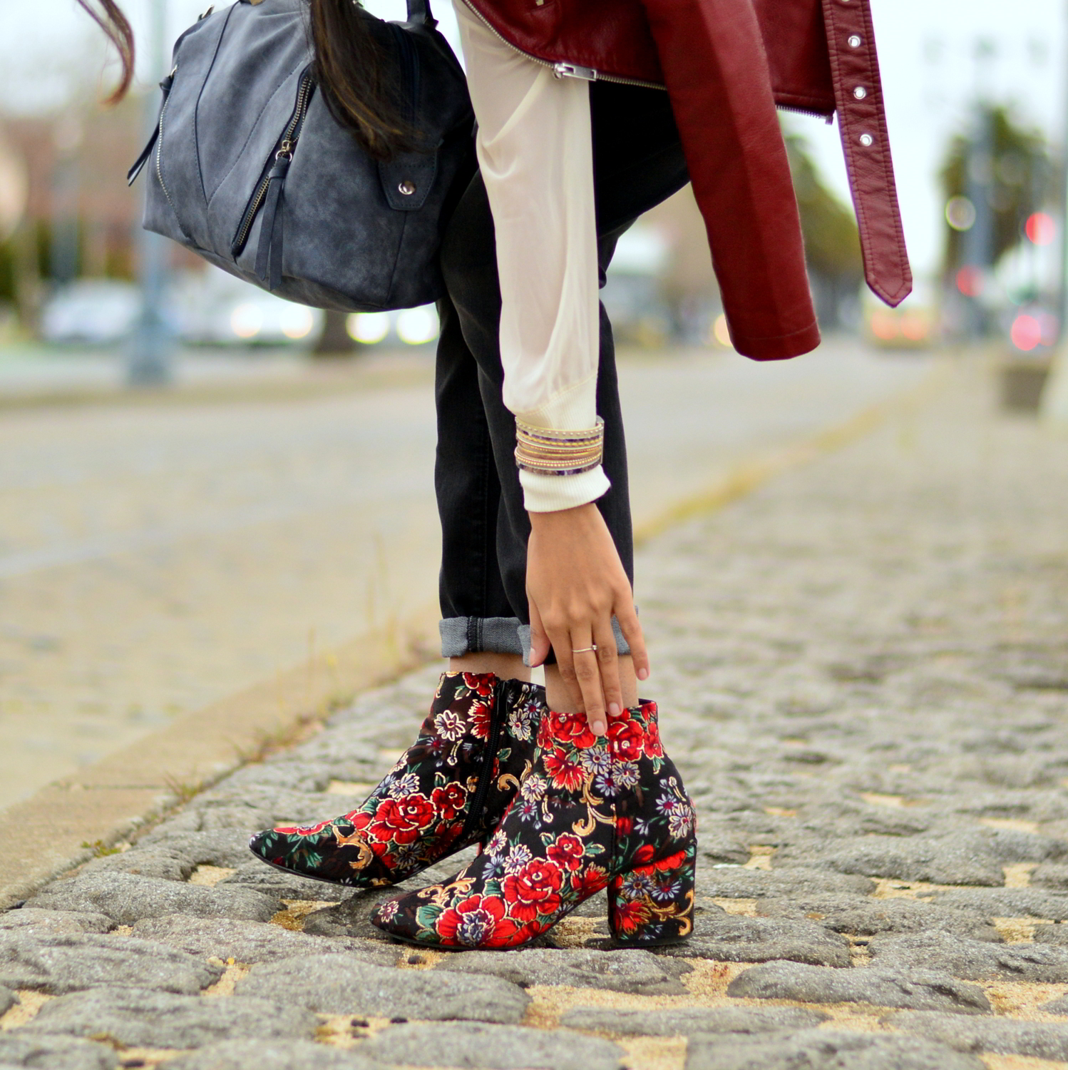 spring-layers-basics-san-francisco-floral-velvet-boots-blogger-statement-accessories 7