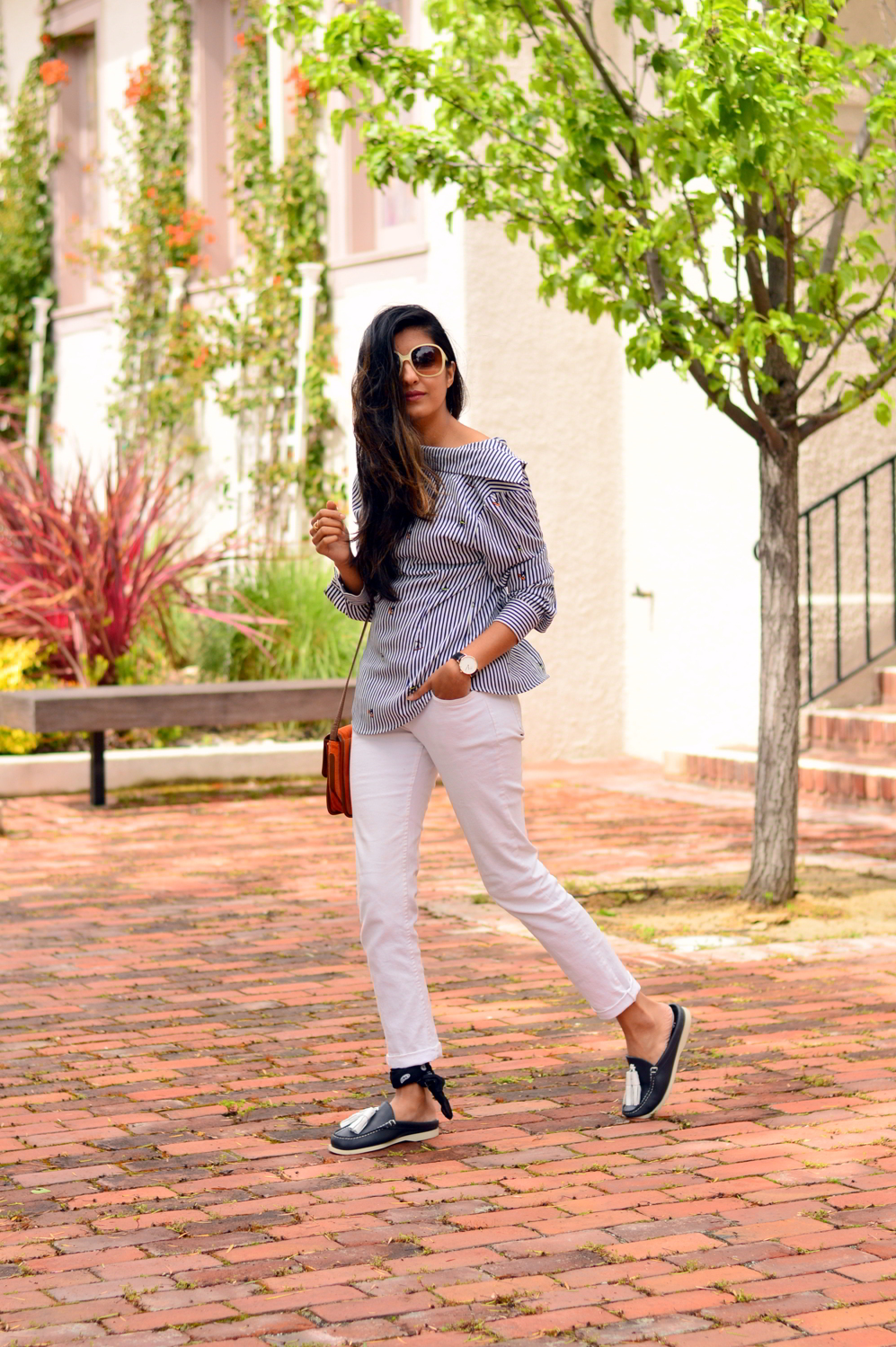 buttondown-shirt-backwards-nautical-vibes-loafers-slides-tassels-summer-spring-style-outfit-casual-blogger 5