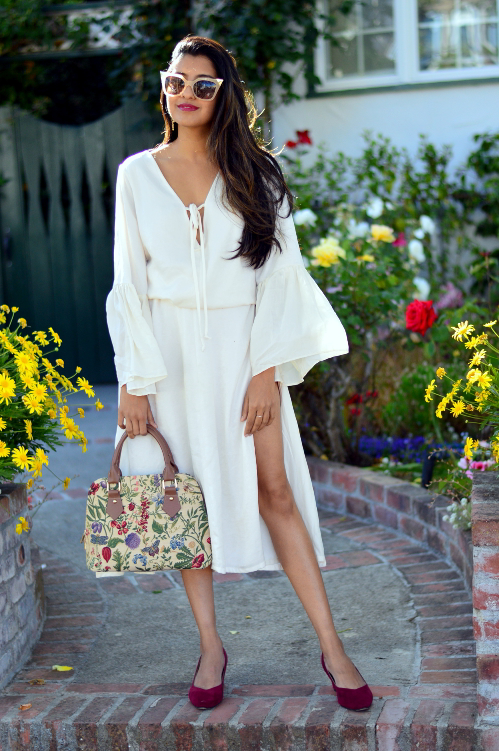 bell-sleeves-white-summer-style-blogger-outfit-dress-floral-bag 7