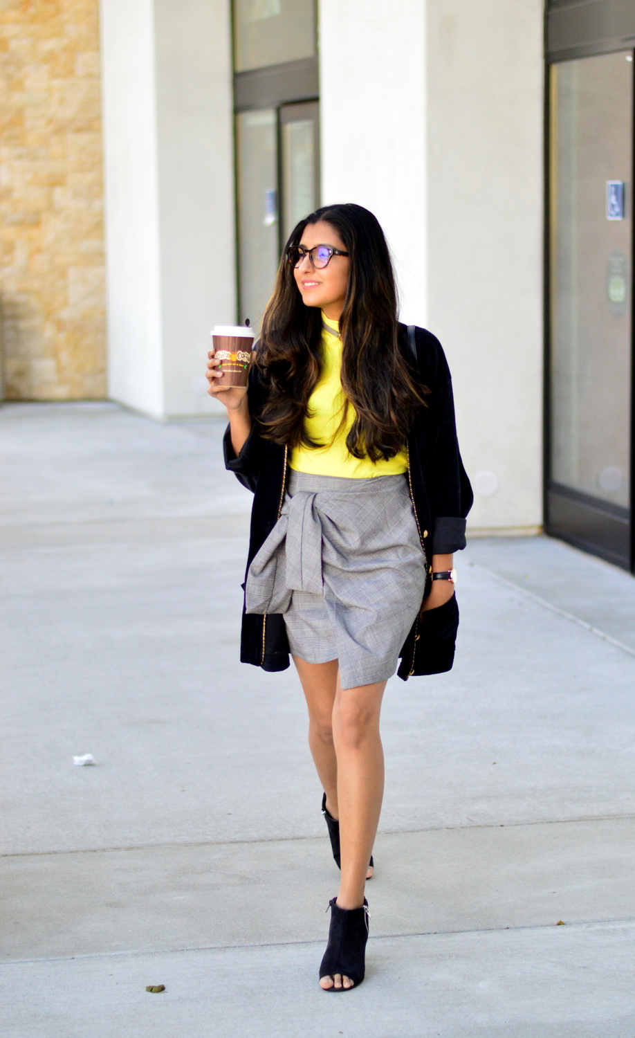 plaid-bow-knot-skirt-clear-glasses-work-style-casual-outfit-blogger-velvet-coat 3