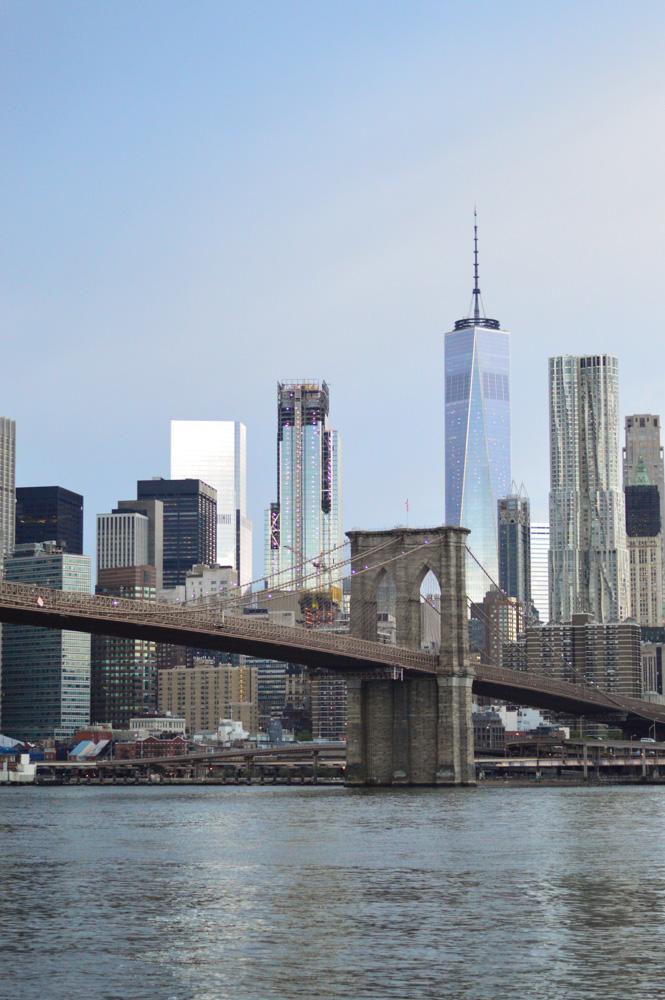 brooklyn-bridge-nyc-travel-what-i-wore-outfit-recap-manhattan-skyline 1